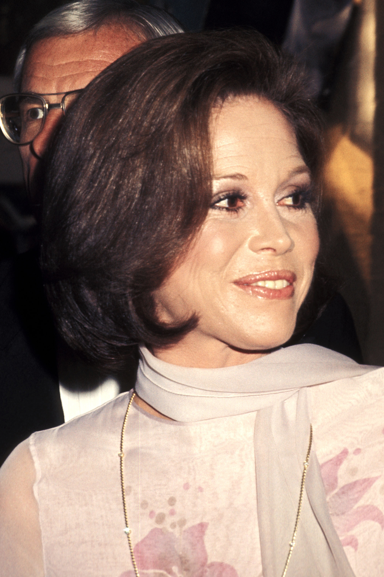 Mary Tyler Moore attends the Third Annual People's Choice Awards, on Feb. 10, 1977 in Hollywood, Calif.