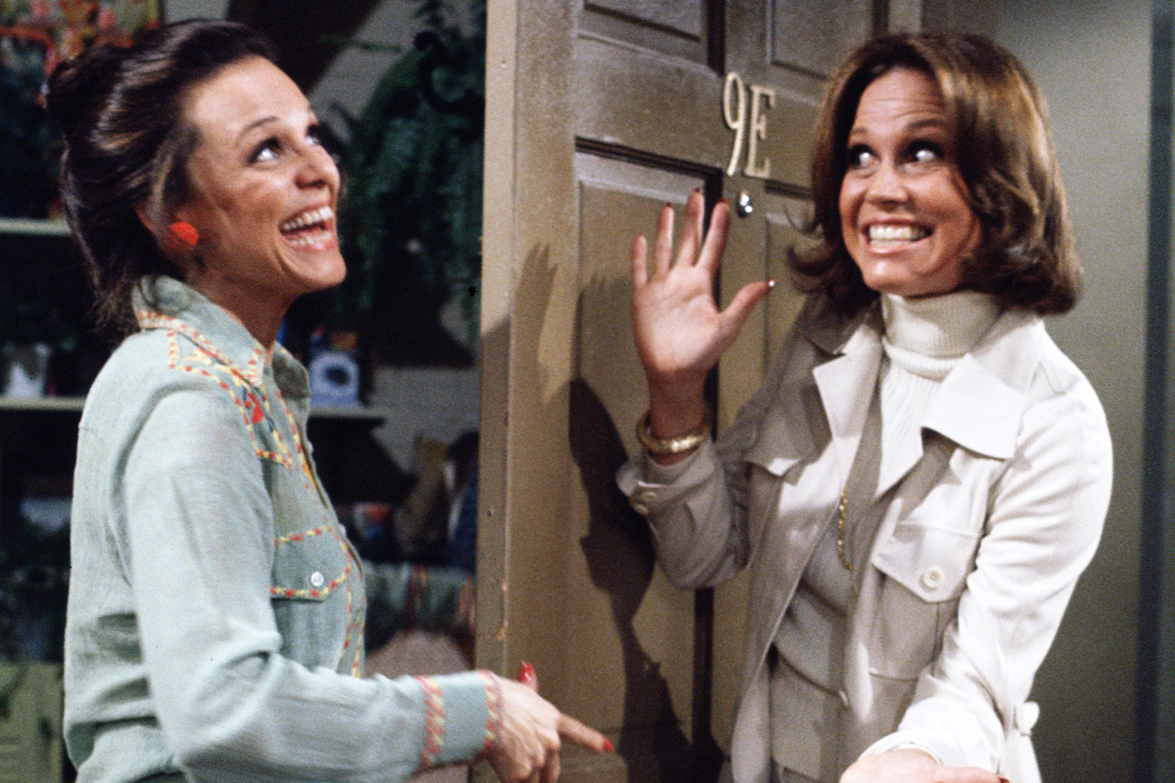 Valerie Harper and Mary Tyler Moore during an episode of Rhoda, on March 10, 1975.