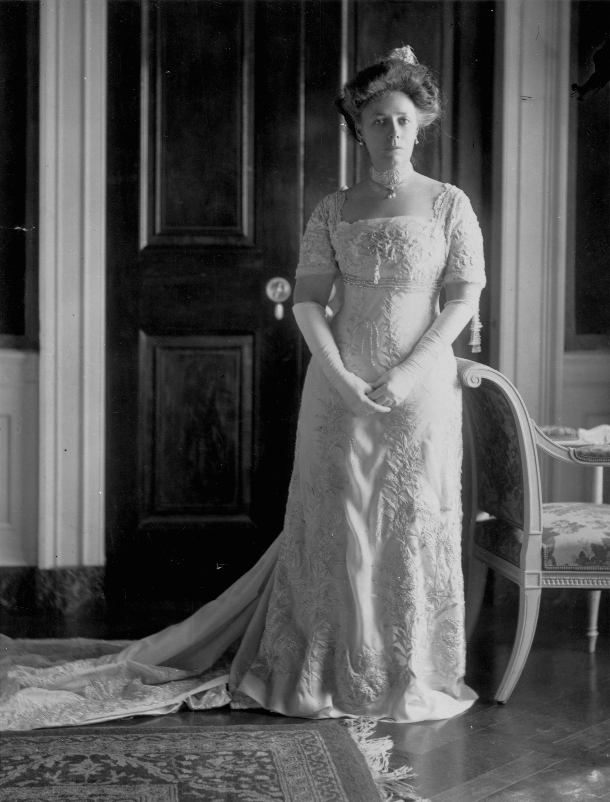 Helen Taft, Frances Smith Company, 1909: This gown is white silk chiffon with floral embroidery and rhinestone and bead trim. She started the tradition of First Ladies selecting their inaugural dress and then donating it to the Smithsonian's First Ladies Collection.
