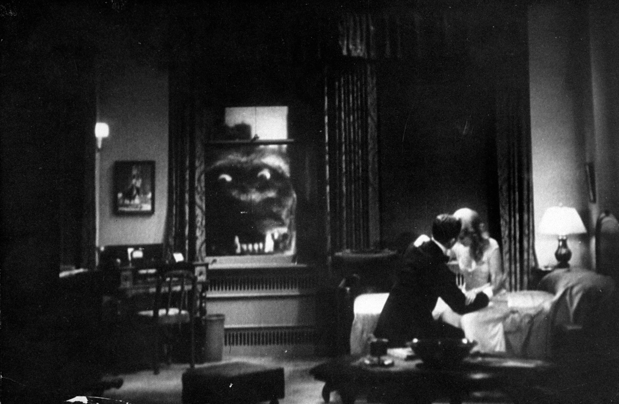 Photo from a 1952 screening of the 1933 film King Kong
