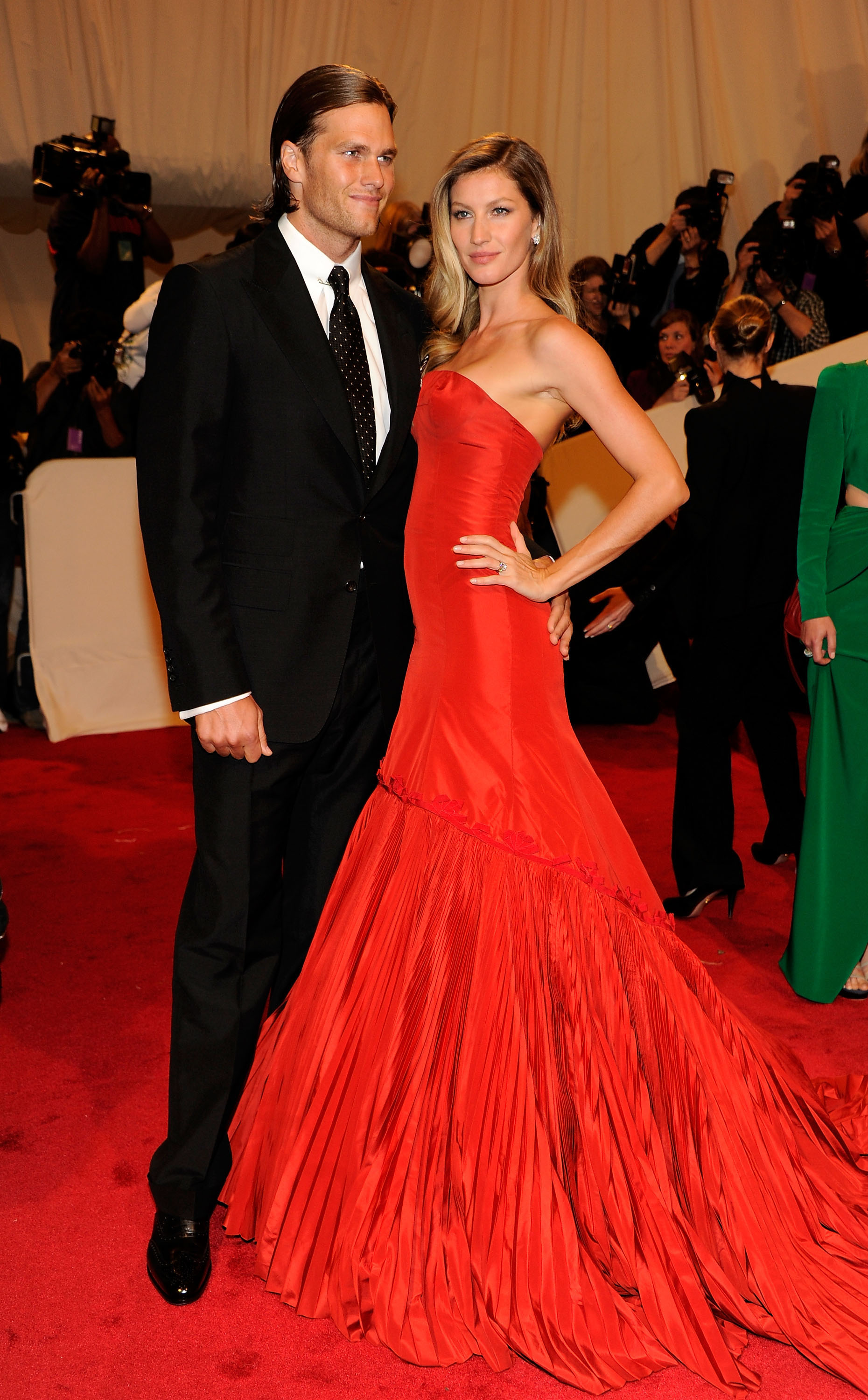 Tom Brady and Gisele Bundchen attends the  Alexander McQueen: Savage Beauty  Costume Institute Gala at The Metropolitan Museum of Art on May 2, 2011 in New York City.