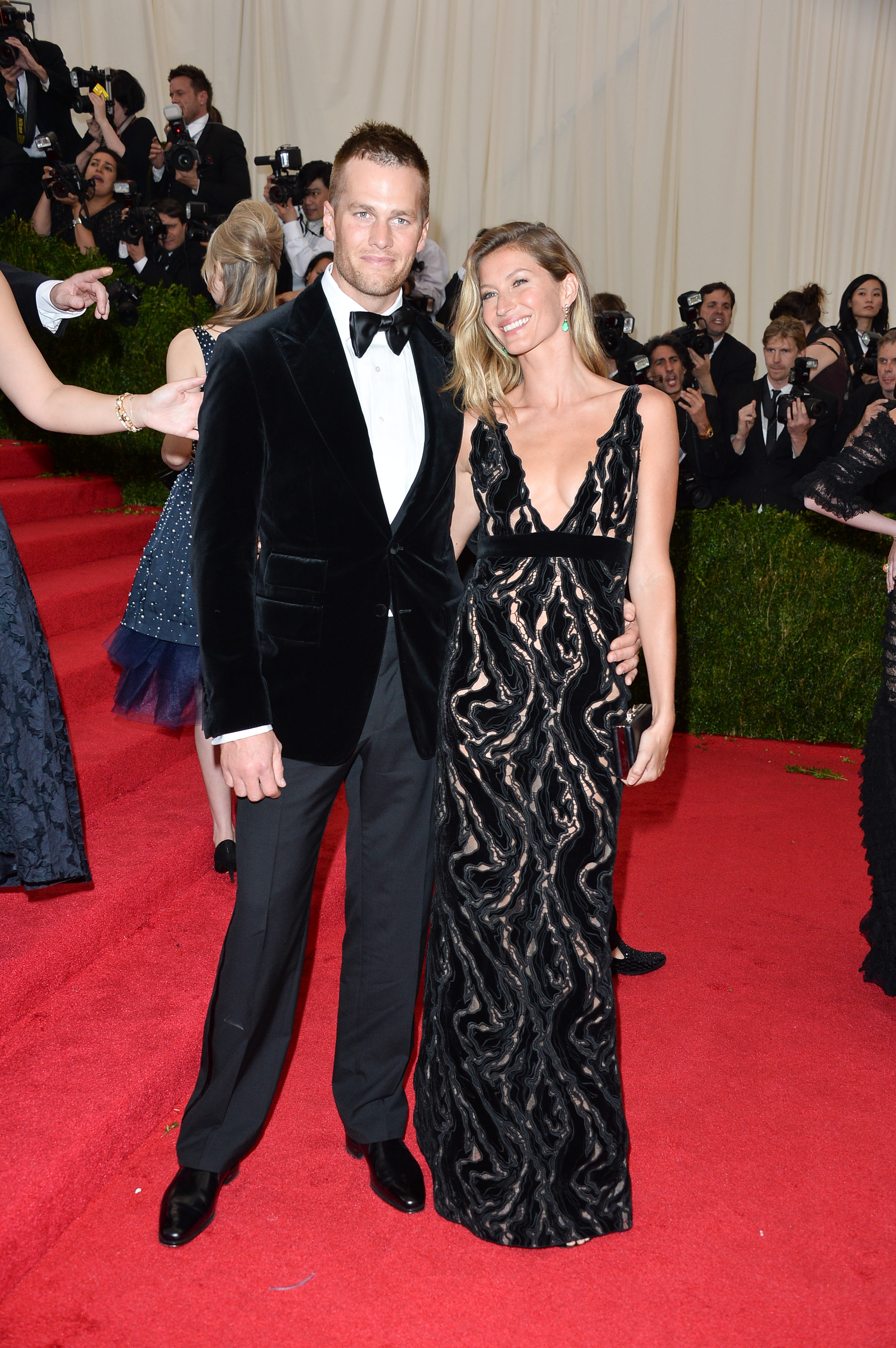 NEW YORK, NY - MAY 05: Tom Brady and Gisele Bundchen attend the  Charles James: Beyond Fashion  Costume Institute Gala at the Metropolitan Museum of Art on May 5, 2014 in New York City. (Photo by George Pimentel/WireImage)