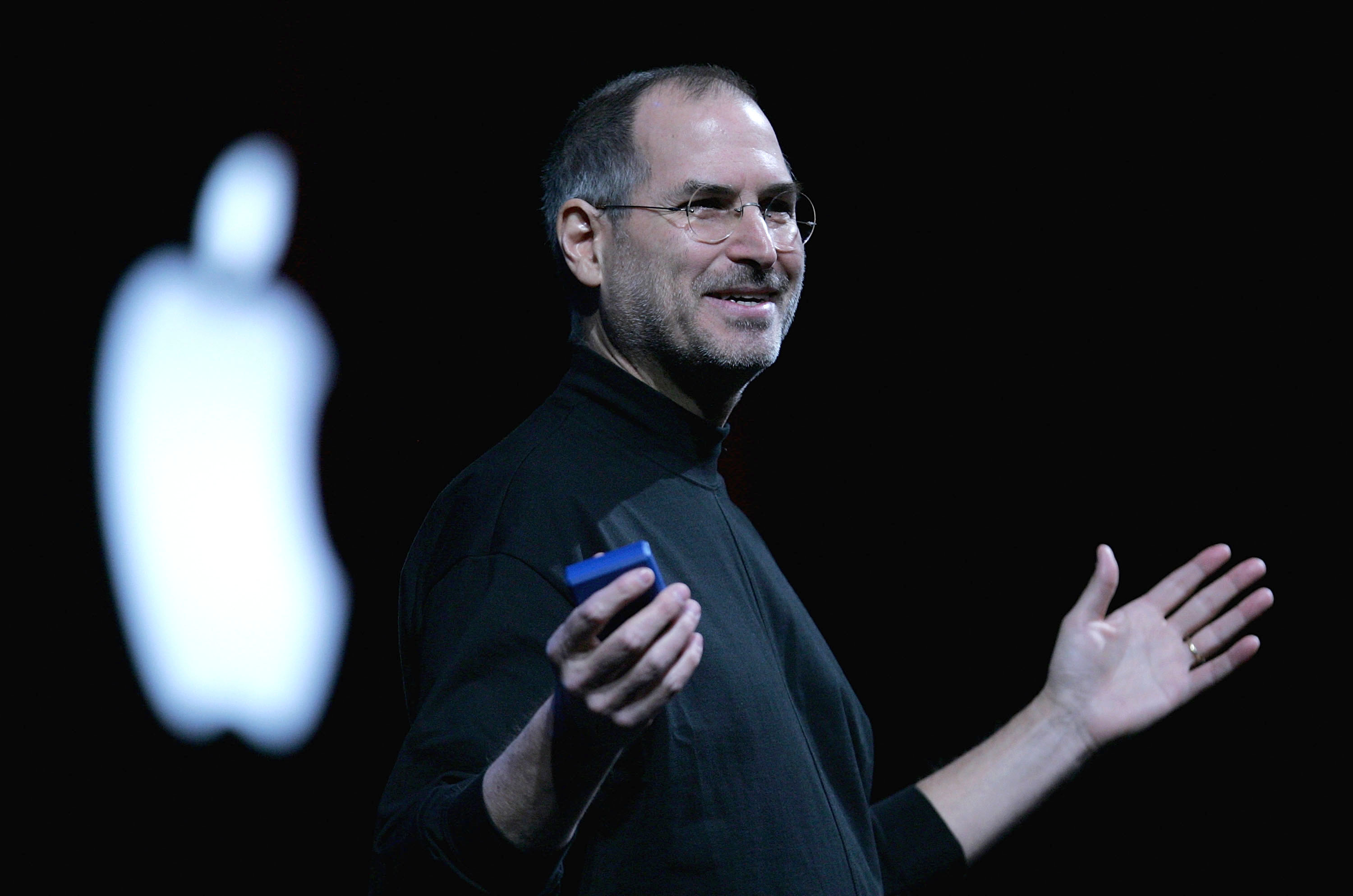 Apple CEO Steve Jobs delivers a keynote address at the 2005 Macworld Expo January 11, 2005 in San Francisco, California.