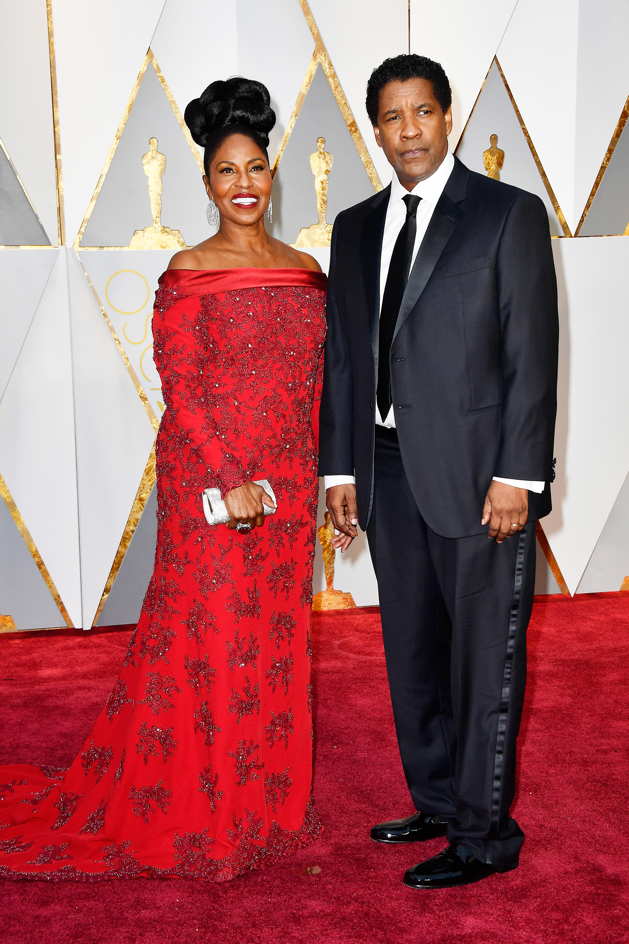 Pauletta Washington and Denzel Washington on the red carpet for the 89th Oscars, on Feb. 26, 2017 in Hollywood, Calif.