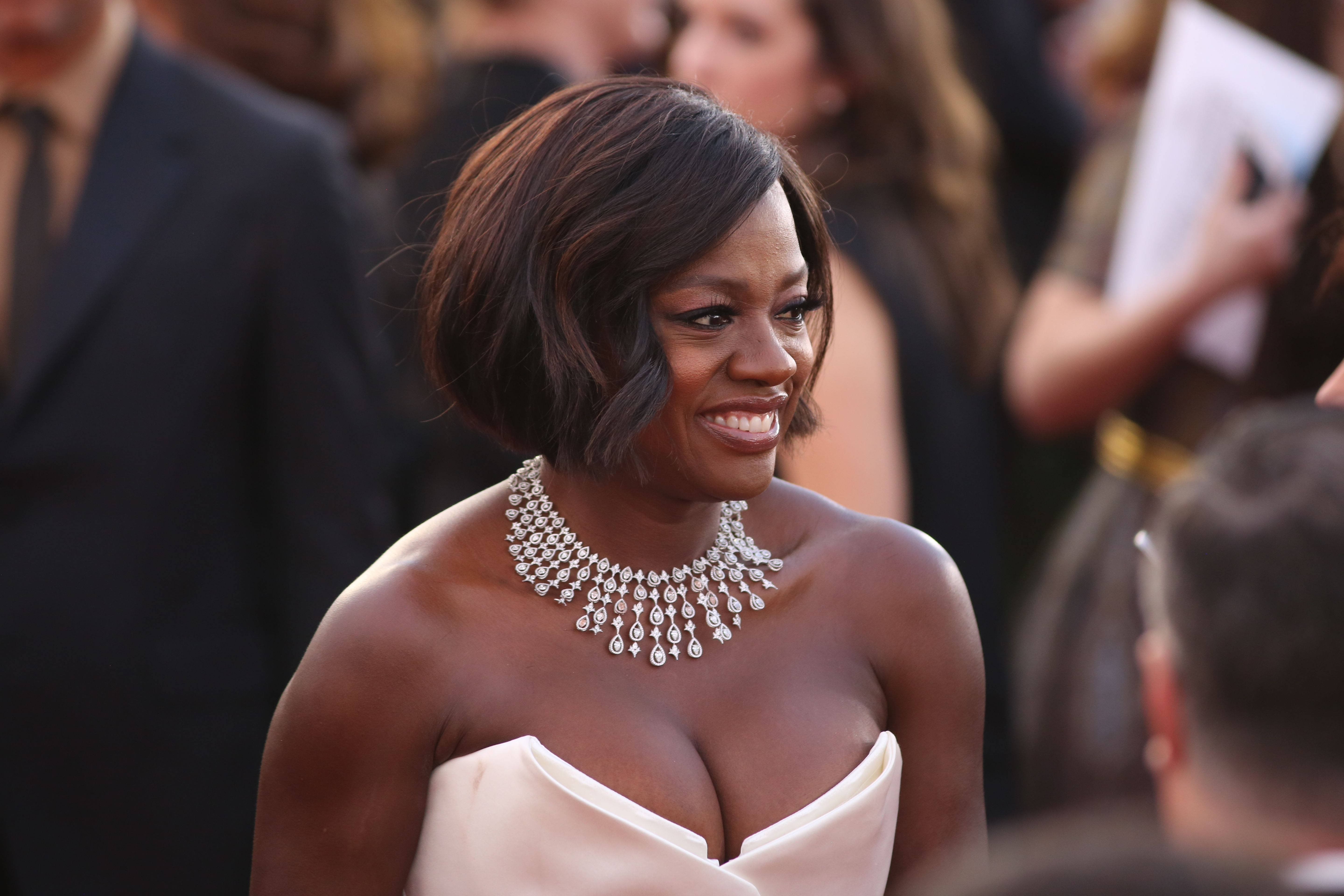 Actress Viola Davis arrives for the 23rd AnnualScreen Actors Guild Awards in Los Angeles, California on January 29, 2017. / AFP / DAVID MCNEW        (Photo credit should read DAVID MCNEW/AFP/Getty Images)