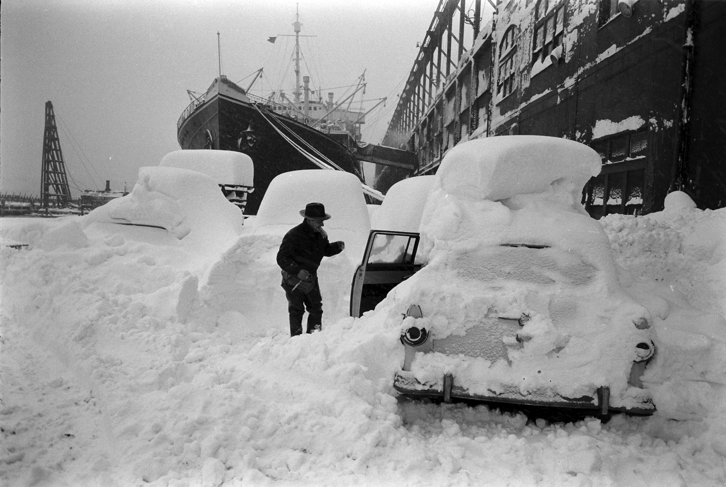 Blizzard in New York City, Mar. 18-19, 1956.