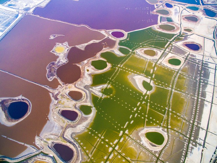 """An aerial view of a world-renowned inland salt lake known as the """"Dead Sea of China"""" in Yuncheng, Shanxi Province, on March 20, 2017."""