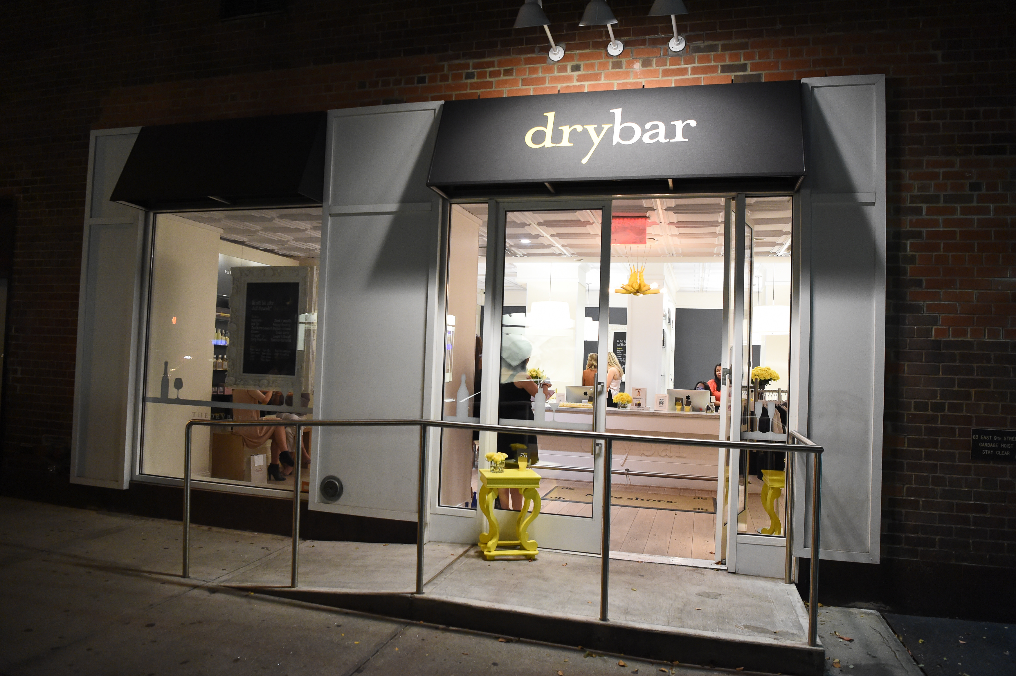 NEW YORK, NY - OCTOBER 19: Atmosphere at The New York launch of Alli Webb's book  The Drybar Guide To Good Hair For All  at Drybar Greenwich Village on October 19, 2016 in New York City. (Photo by Dave Kotinsky/Getty Images for Drybar)