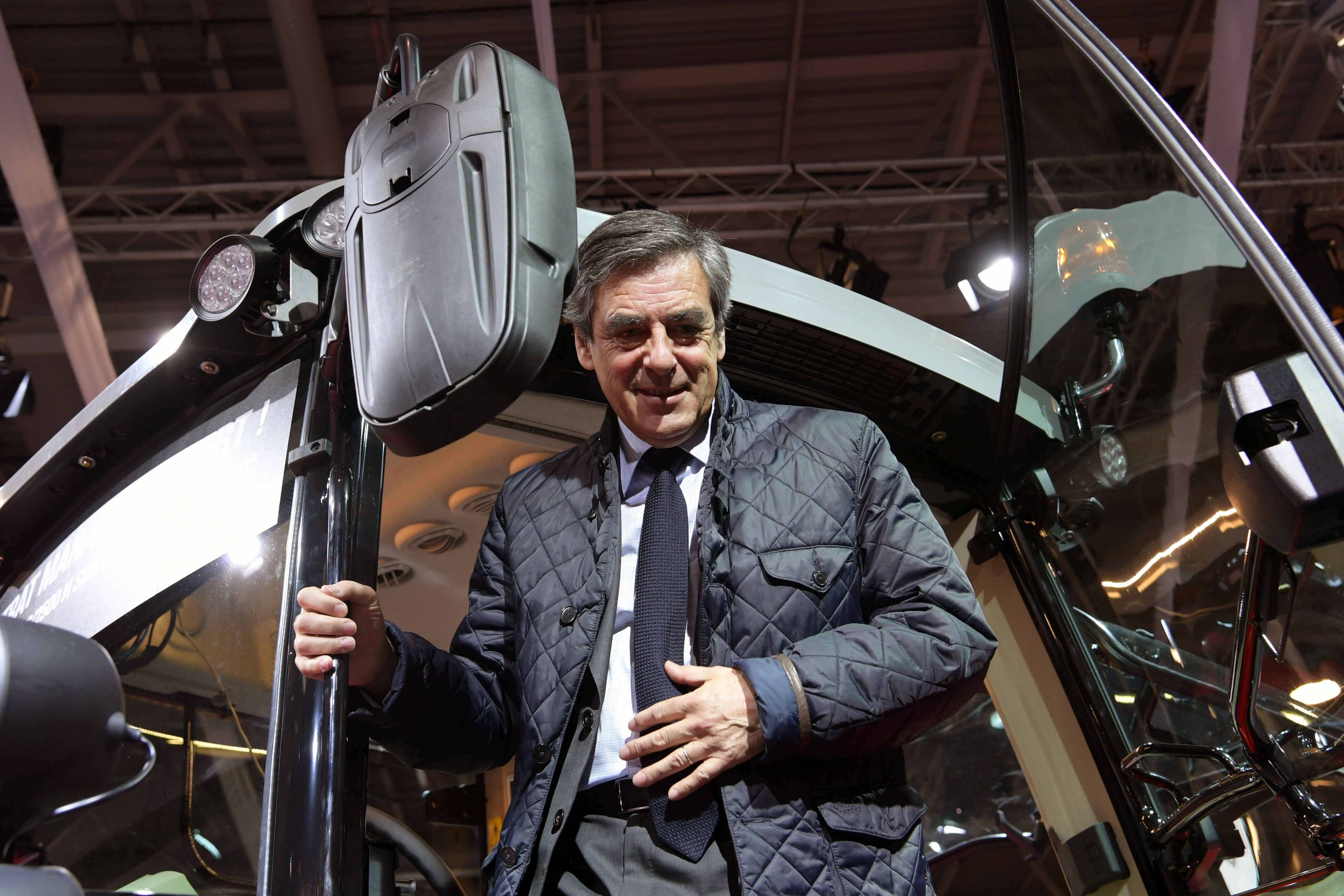 French presidential election candidate for the right-wing Les Republicains (LR) party Francois Fillon visits the SIMA (Mondial des Fournisseurs de l'Agriculture et de l'Elevage) on February 28, 2017 at the Parc des Expositions Paris Nord, in Villepinte.