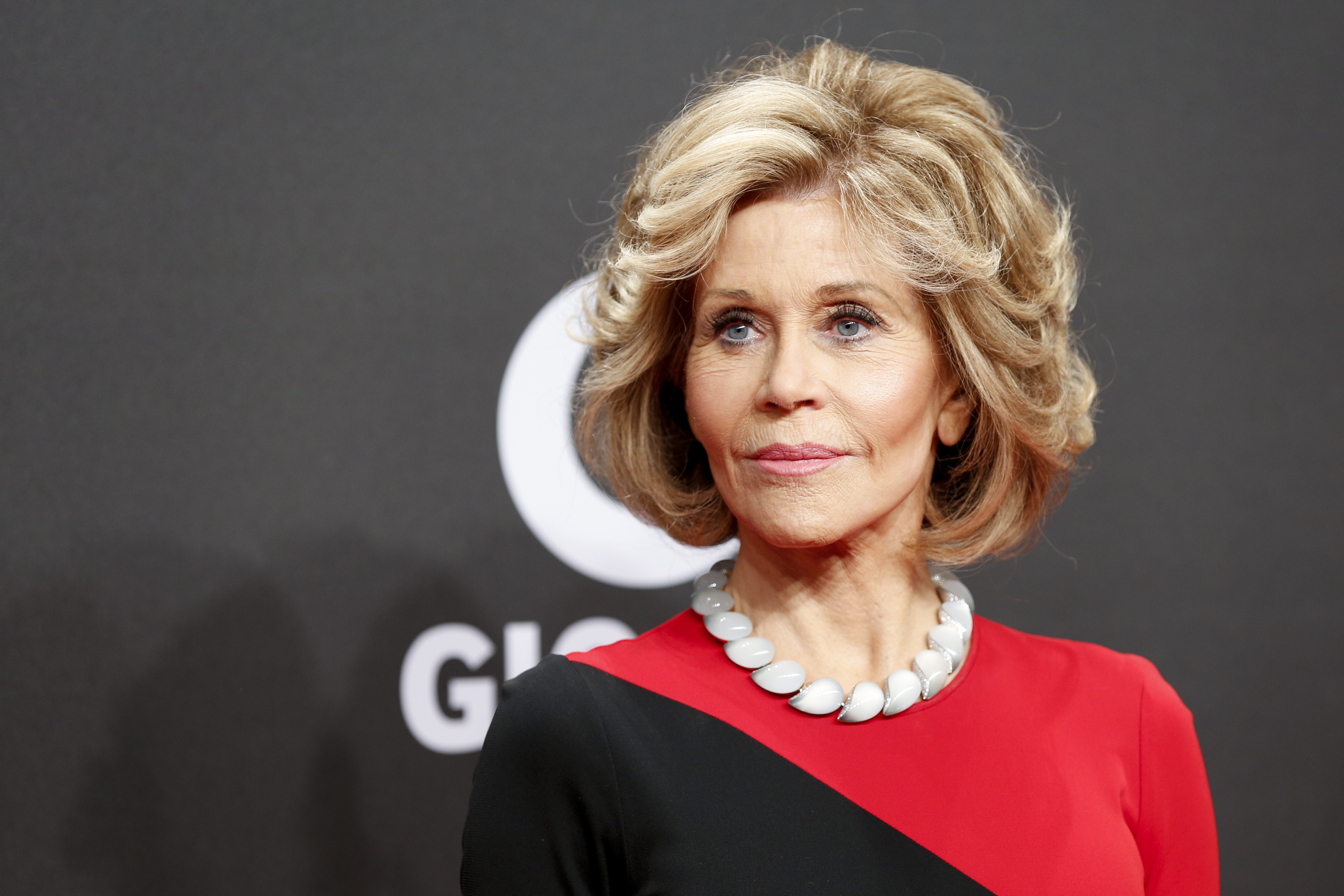 HAMBURG, GERMANY - MARCH 04: US actress Jane Fonda arrives for the Goldene Kamera on March 4, 2017 in Hamburg, Germany. (Photo by Isa Foltin/WireImage)