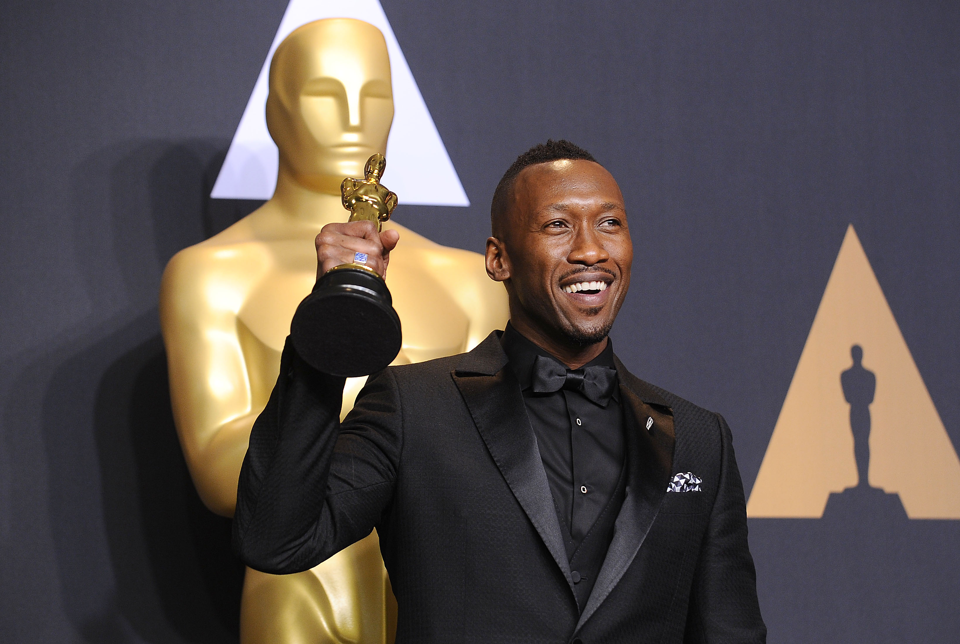 HOLLYWOOD, CA - FEBRUARY 26:  Actor Mahershala Ali poses in the press room at the 89th annual Academy Awards