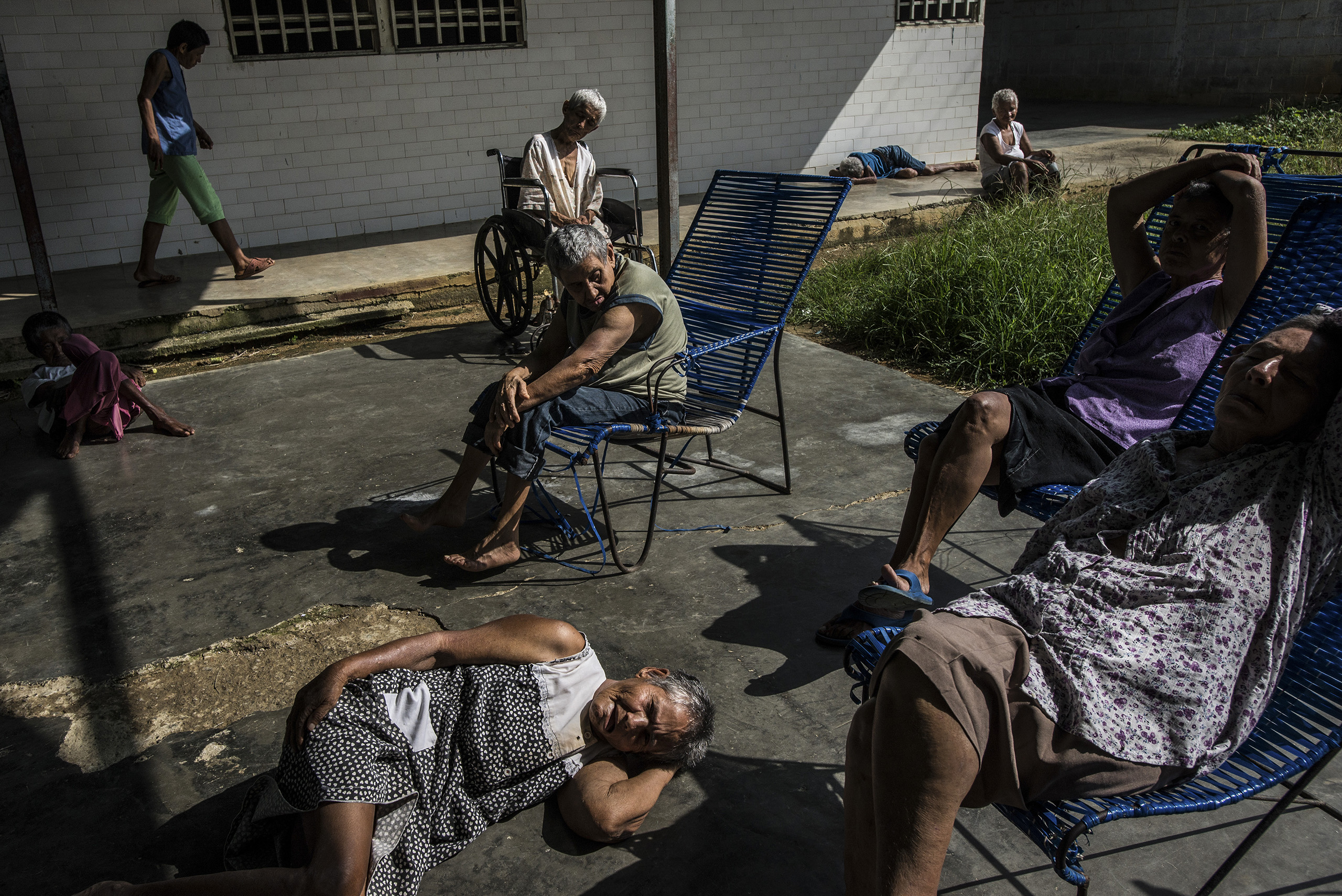 Patients in the patio of the women's ward of the state-run Pampero Psychiatric Hospital in Barquisimeto, Venezuela, on July 29, 2016.