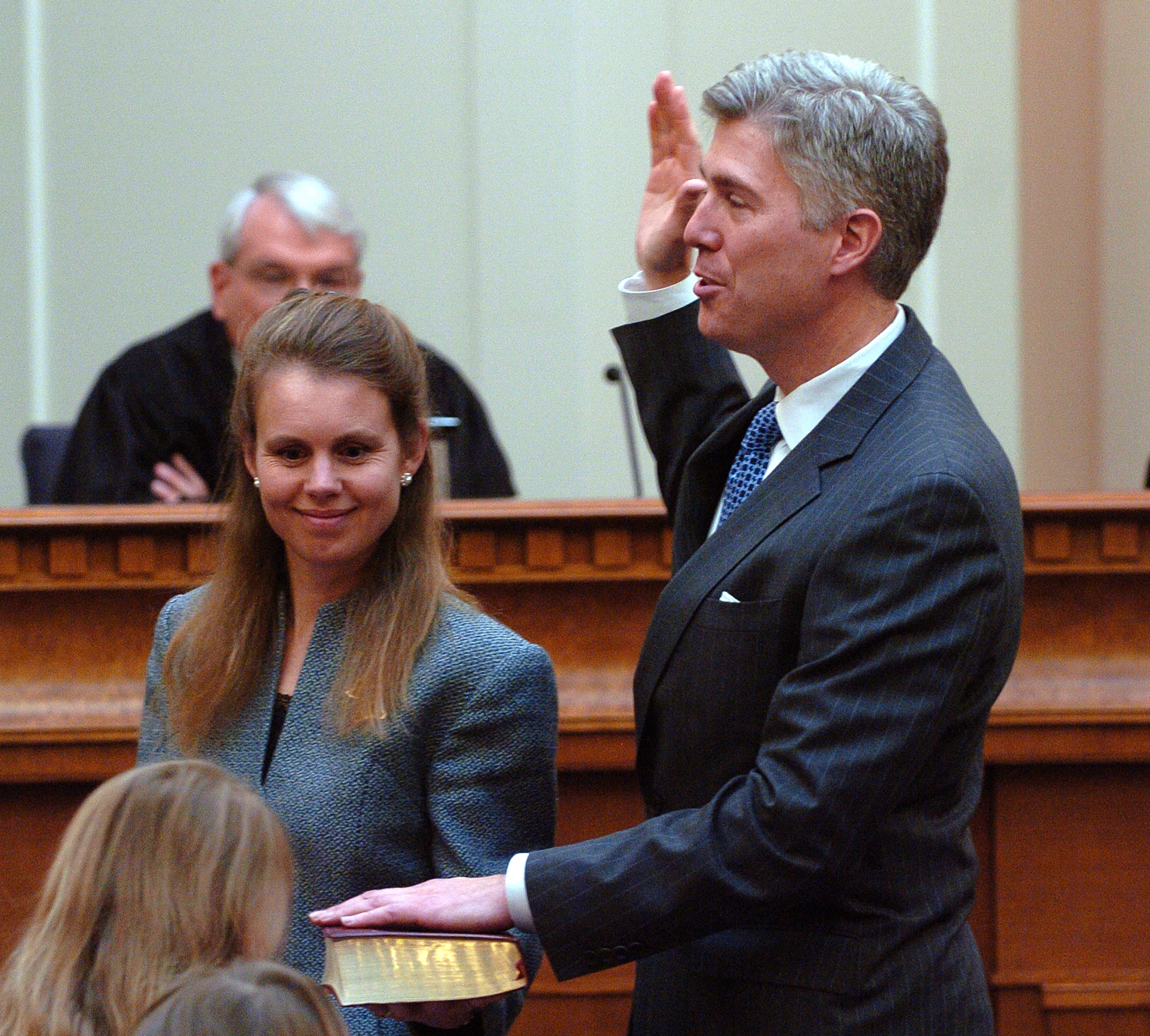 Swearing in of Coloradan Neil M. Gorsuch as the newest member of the, United States Court of Appeals for The Tenth Circuit, with his wife Louise and his two daughters, Nov. 20, 2006, Denver, Colo.