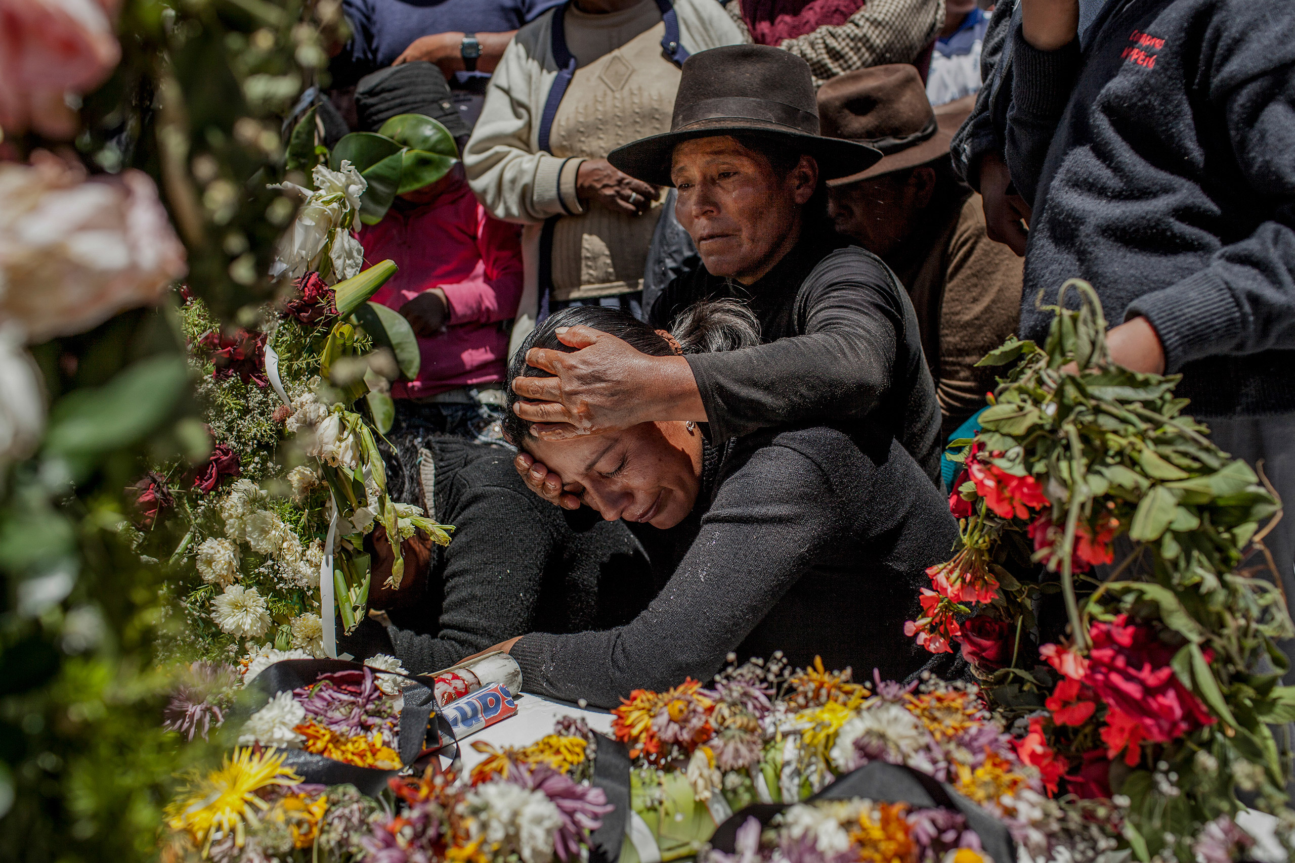 Twenty-five years after the massacre of Soras, the remains were exhumed to be identified and processed by the judicial system; after which they were delivered to their families. In Peru there are still 16,000 missing people related to terrorist violence during the 1980-2000.