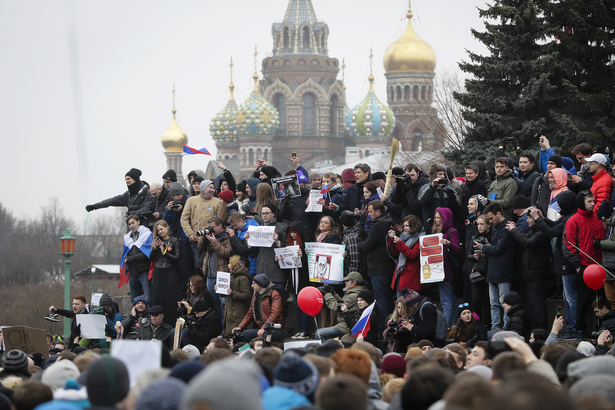 Protesters gather at Marsivo Field in St.Petersburg, Russia, on March 26, 2017.