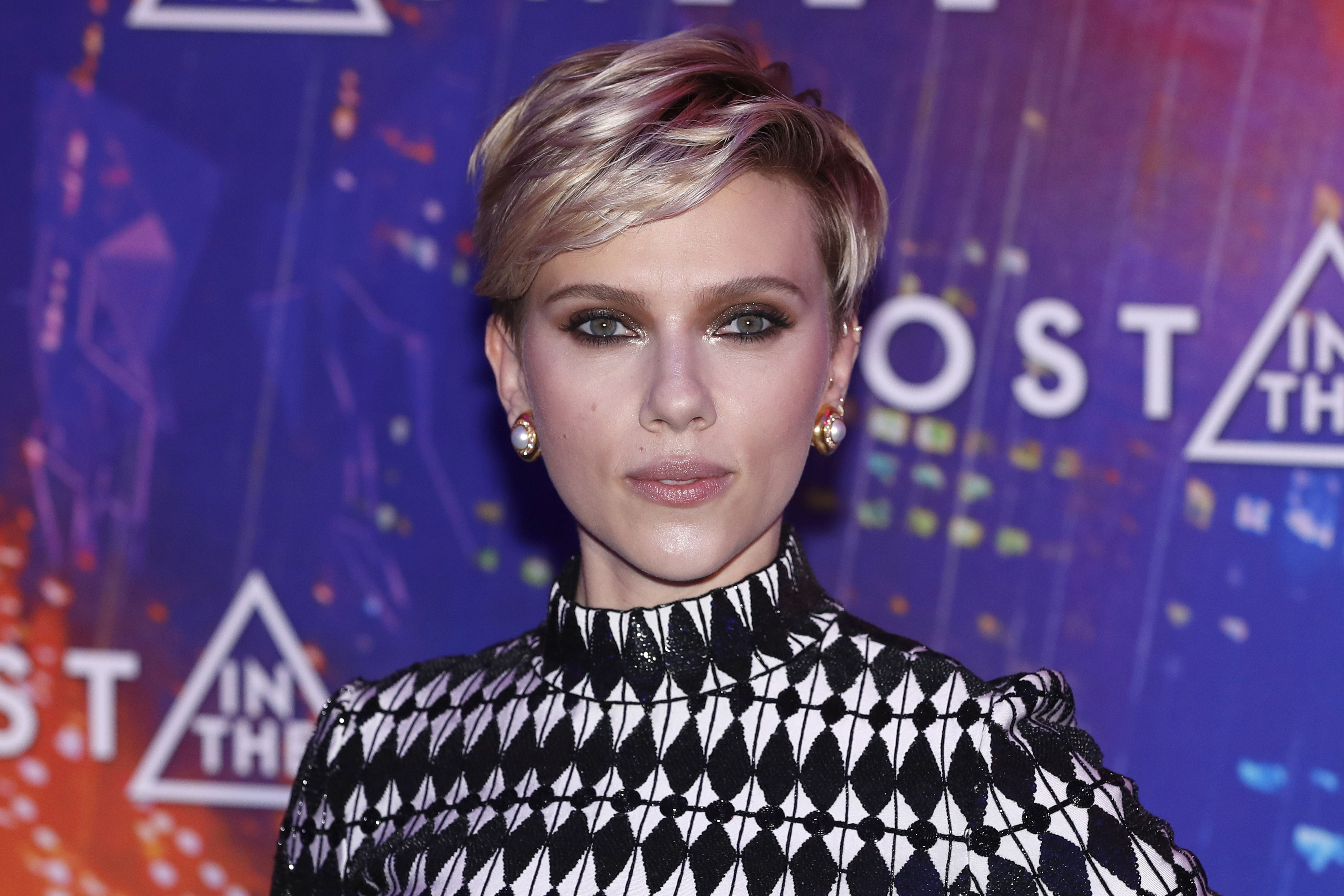 Scarlett Johansson Breastfeeding Grounded Her During Filming Time
