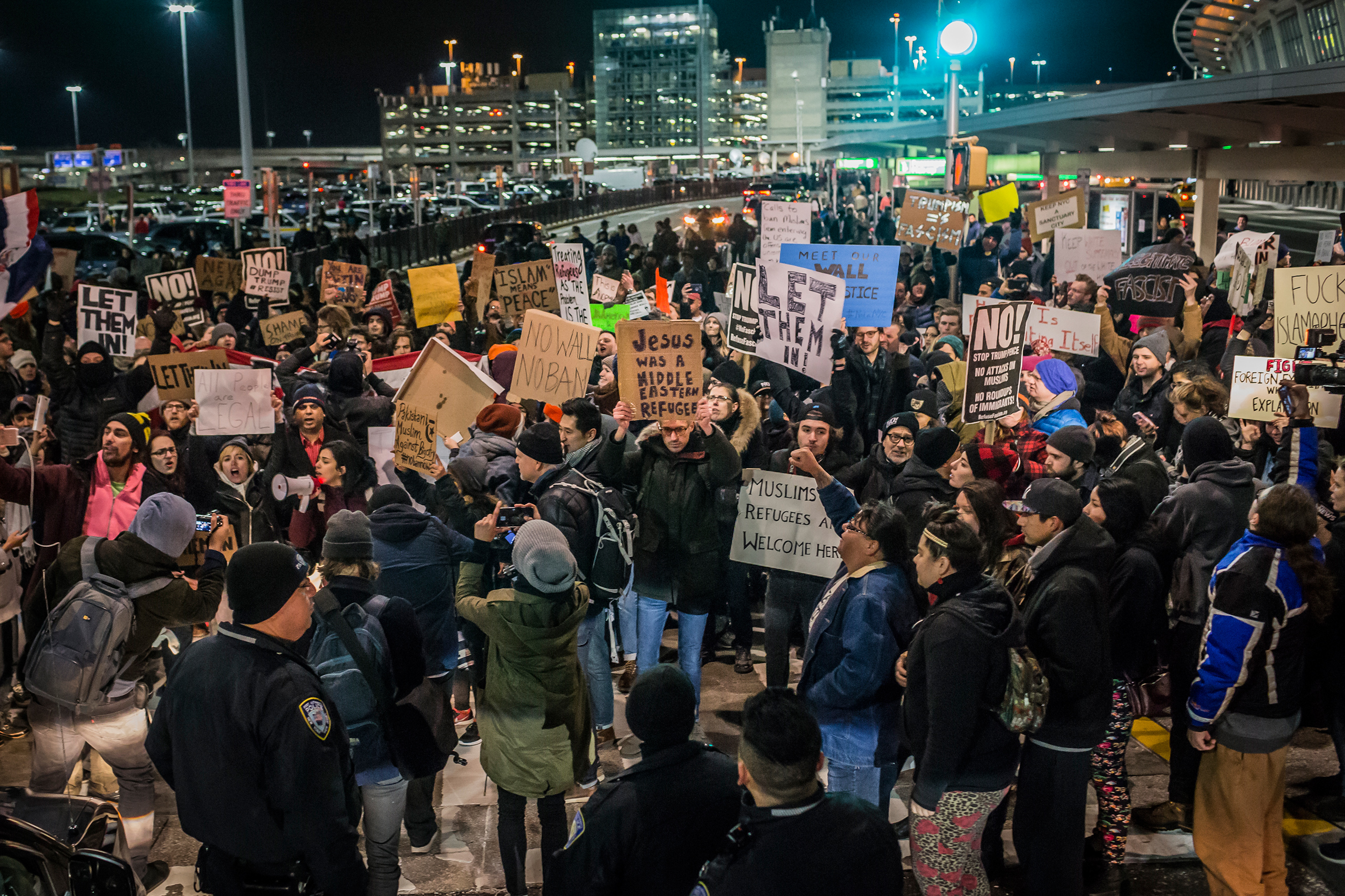 For over 8 hours on Jan. 28, 2017, thousands flooded into Terminal 4 at New York's John F. Kennedy International Airport, at times shutting down the hub while protesting Donald Trump's executive order banning Muslims from certain countries from traveling to the U.S. Around 8 p.m. that evening, the federal court for the Eastern District of New York issued an emergency stay halting the ban.
