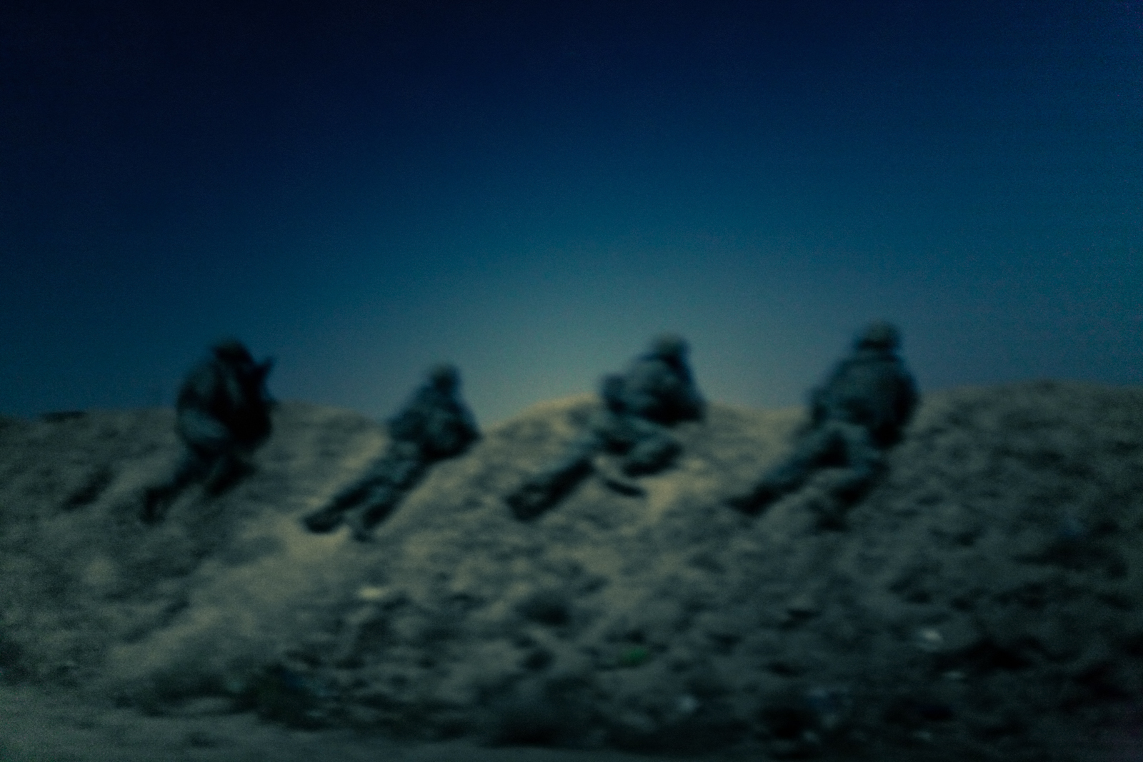 Soldiers from the 2nd Platoon 'Smash Platoon', 82nd Airborne Division, perform a target raid in Samarra, Salah ad Din province, Iraq, Sept, 28, 2007.