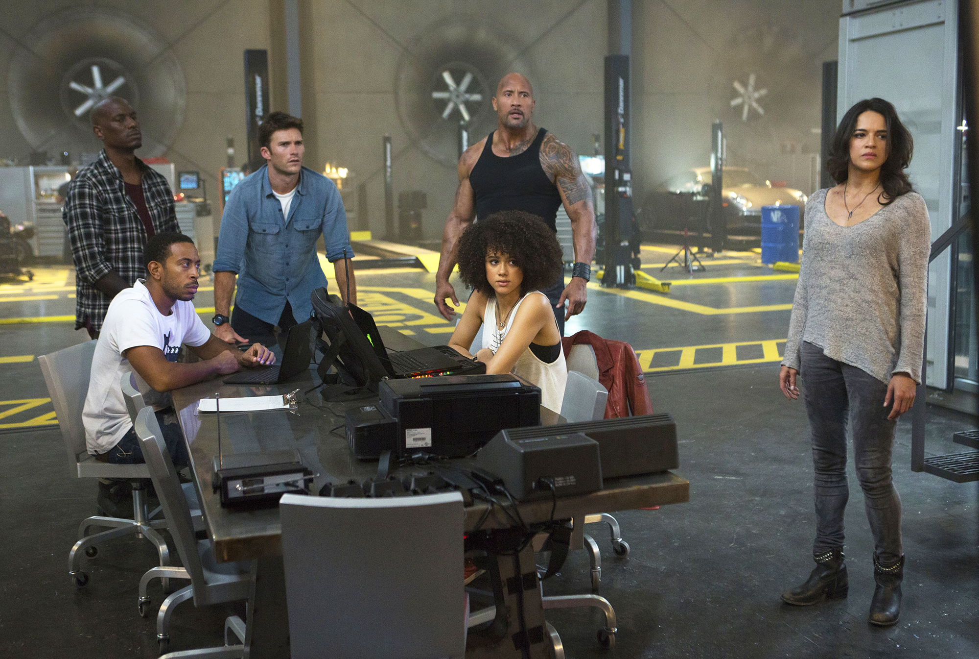Tyrese Gibson, Chris  Ludacris  Bridges, Scott Eastwood, Nathalie Emmanuel, Dwayne Johnson, and Michelle Rodriguez in The Fate of the Furious.