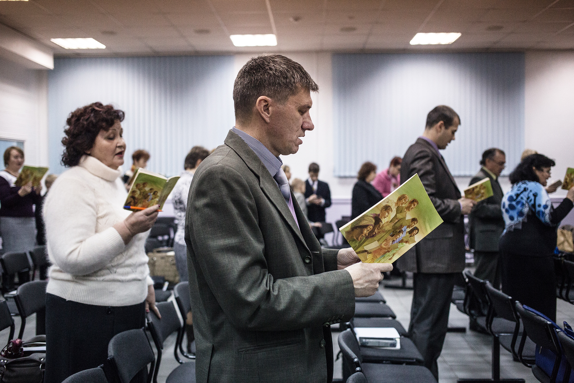 Jehovah's Witnesses sing songs at the beginning of the meeting in Rostov-on-Don in 2015.