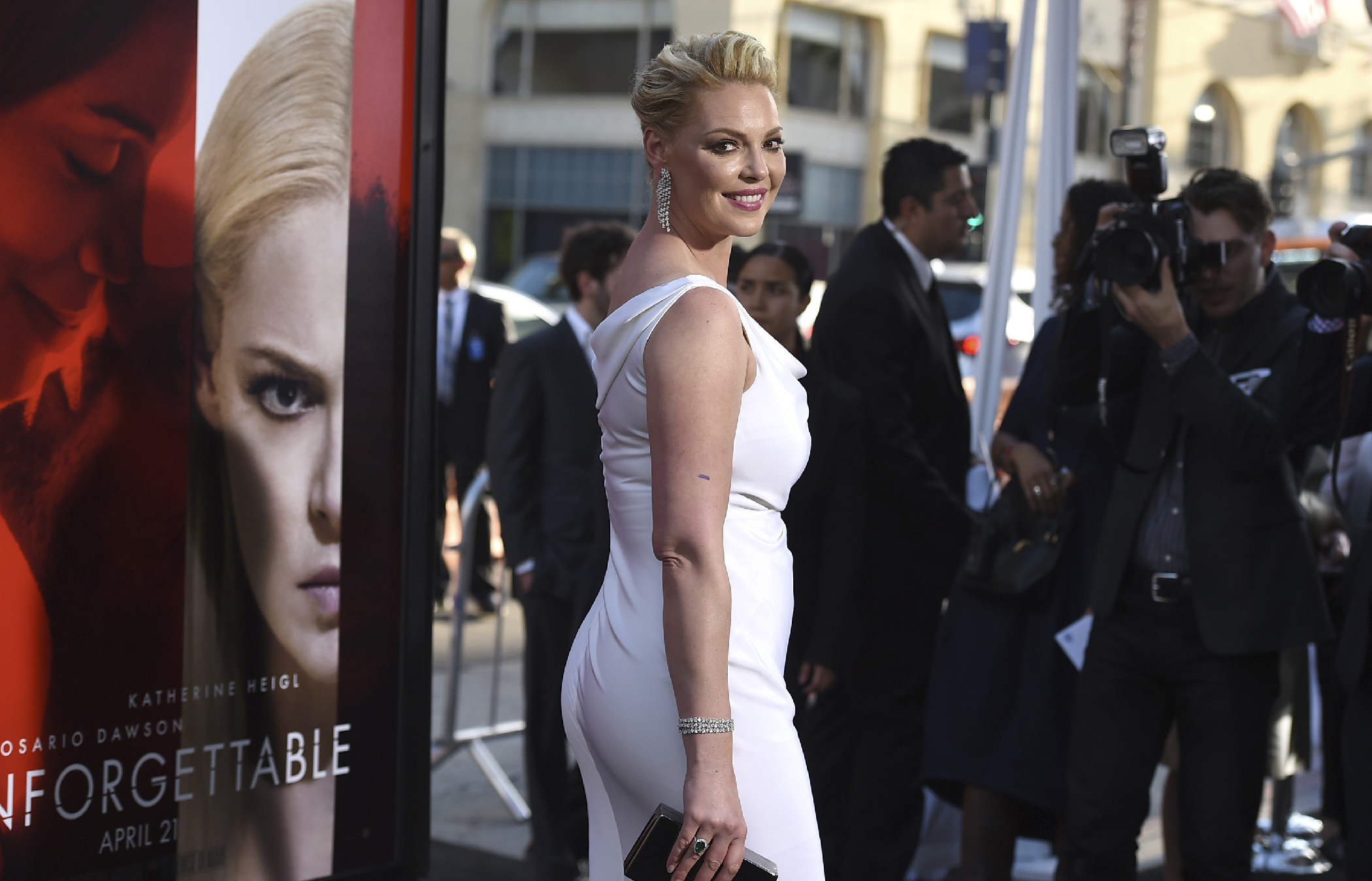 Katherine Heigl arrives at the Los Angeles premiere of  Unforgettable  at the TCL Chinese Theatre on Tuesday, April 18, 2017.