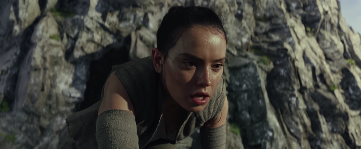 Rey, played by Daisy Ridley, appears in the 'Star Wars: The Last Jedi' trailer