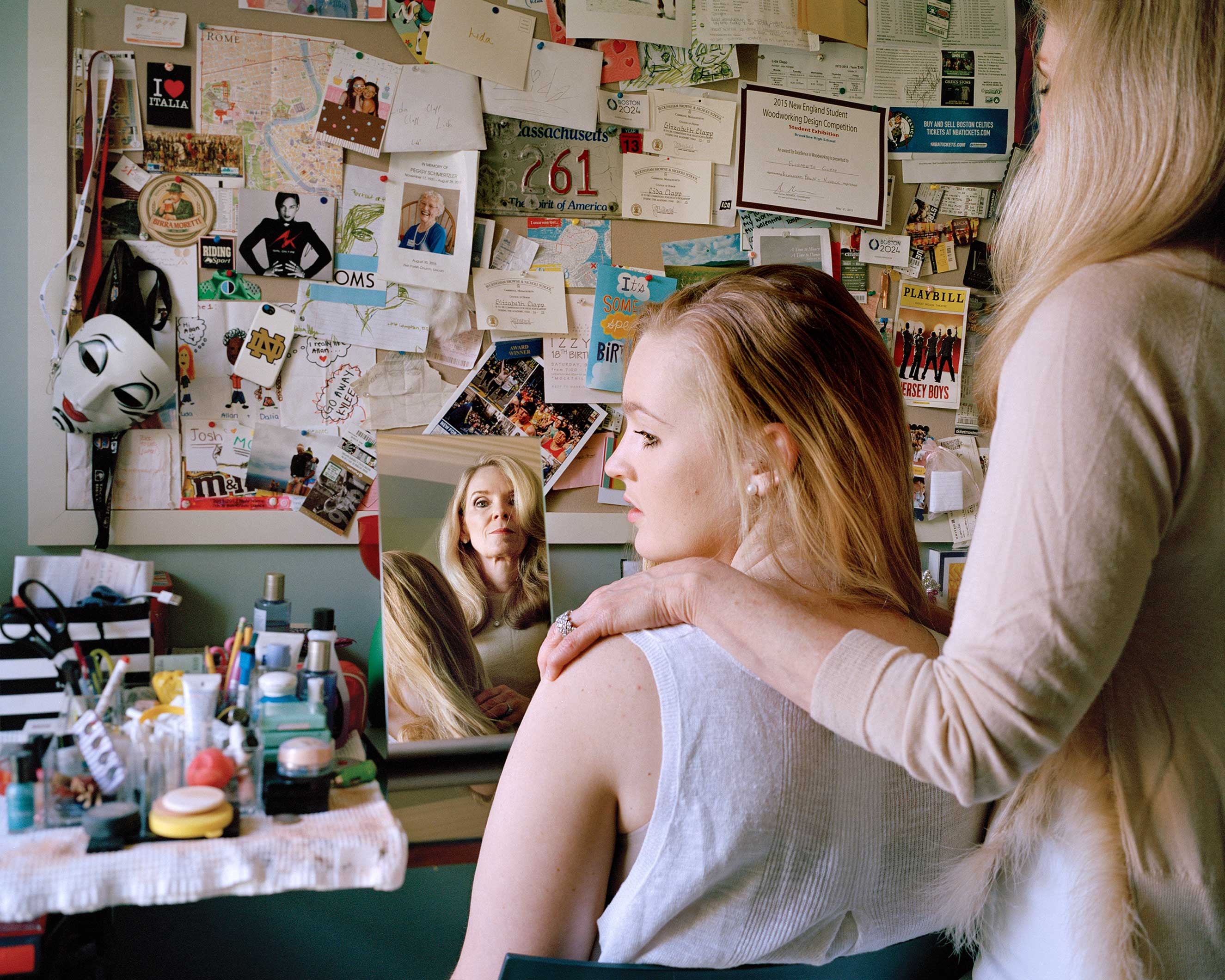 'Elizabeth and Austin, Boston, Massachusetts, 2016' in the series, Unspoken Conversations - Mothers and Daughters.
