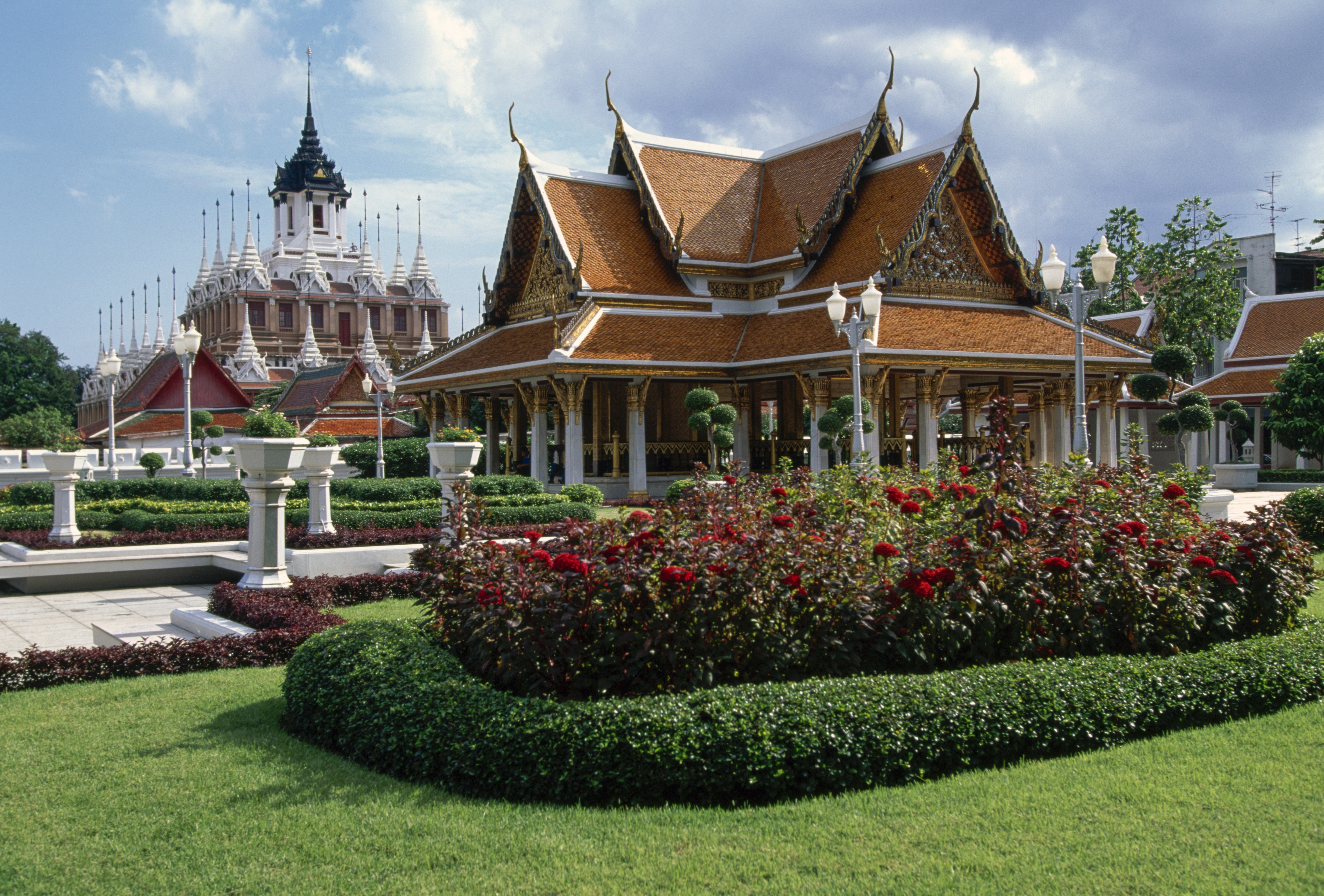 THAILAND - FEBRUARY 9: Royal Pavilion Mahajetsadabadin, with the Wat Ratchanatdaram temple on the left, park dedicated to King Rama III (1788-1851), Bangkok, Thailand. (Photo by DeAgostini/Getty Images)