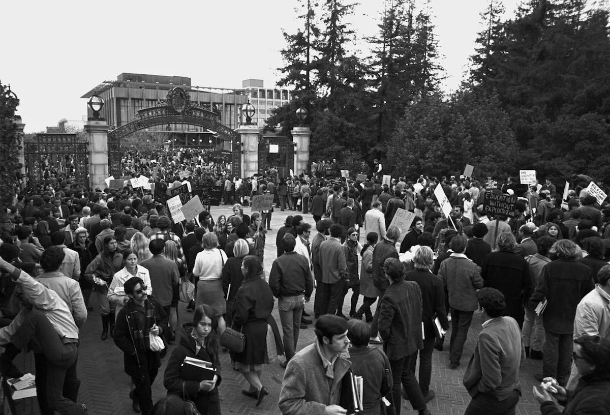Student protesters set up a picket line at the Sather Gate entrance to the University of California in Berkeley, at the intersection of Telegraph Avenue and Bancroft Way, in 1969.