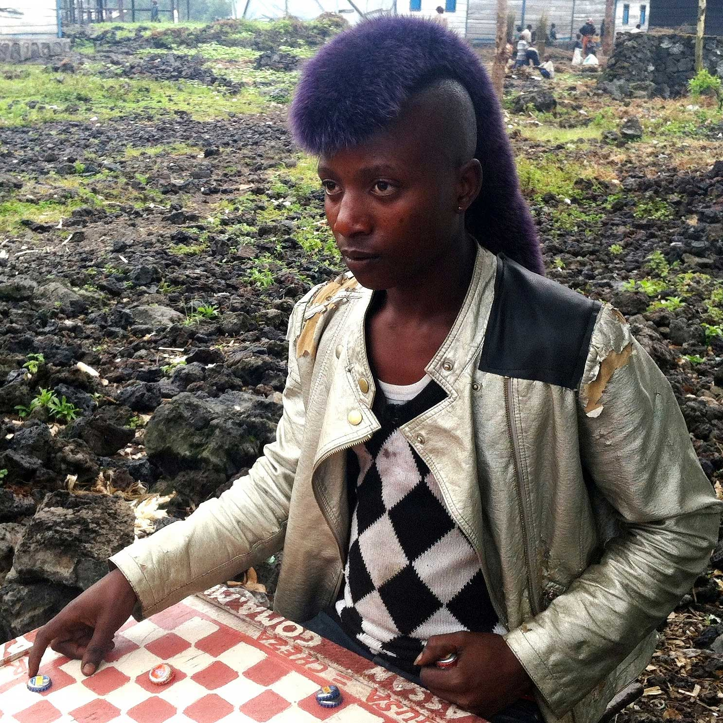 A young Congolese refugee in Goma, Democratic Republic of the Congo. I was impressed by the look of her hair. @leyuwera1