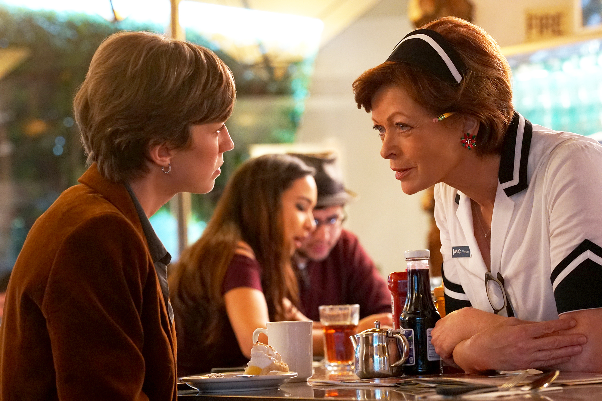 """FARGO -- """"The Law of Non‐ Contradiction"""" – Year 3, Episode 3 (Airs May 3, 10:00 pm e/p) Pictured (l-r): Carrie Coon as Gloria Burgle, Frances Fisher as Vivian Lord (60 Years). CR: Byron Cohen/FX"""