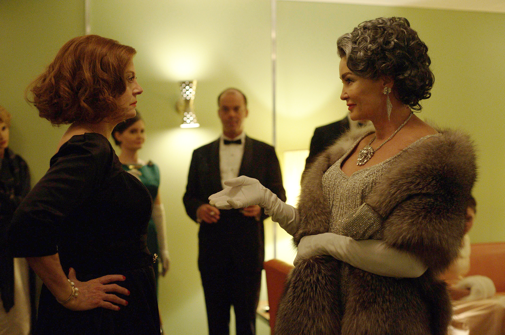 FEUD: Bette and Joan  --  And the Winner is...(The Oscars of 1963)  -- Installment 1, Episode 5 (Airs Sunday, April 2, 10:00 p.m. e/p) --Pictured: (l-r)  Susan Sarandon as Bette Davis, Jessica Lange as Joan Crawford. CR: Suzanne Tenner/FX