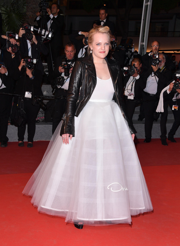 Elisabeth Moss in Oscar de la Renta