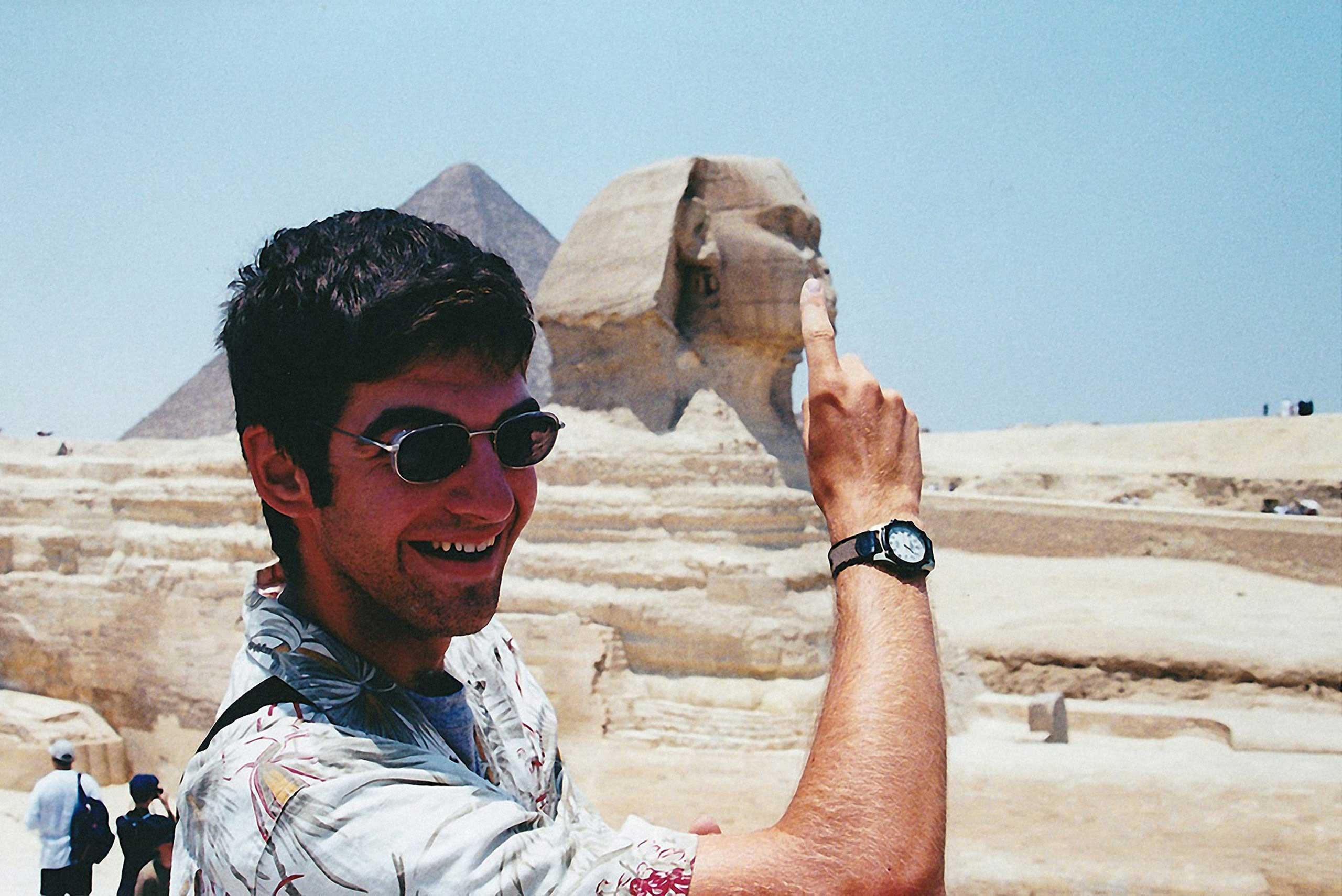 Kiss the Sphinx III. Cairo, Egypt, 2015.