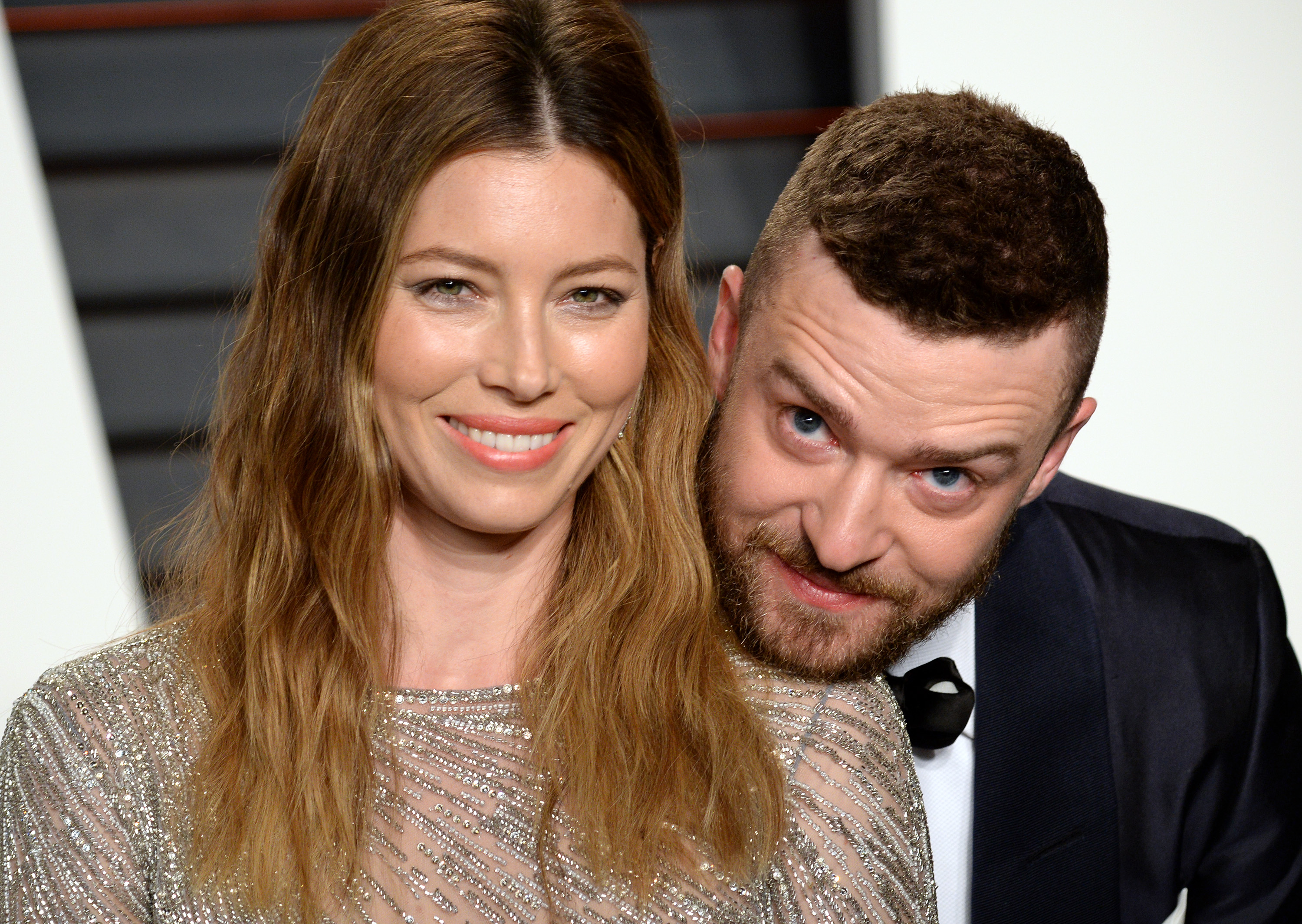 BEVERLY HILLS, CA - FEBRUARY 28:  Jessica Biel and Justin Timberlake attend the 2016 Vanity Fair Oscar Party hosted By Graydon Carter at Wallis Annenberg Center for the Performing Arts