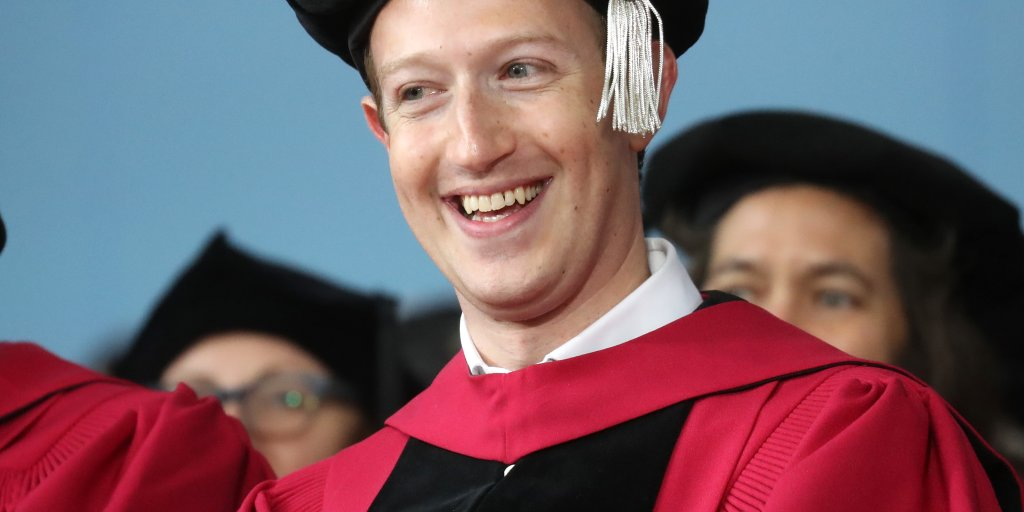 Mark Zuckerberg Gave Harvard Grads Some Funny Dating Advice in His Commencement Speech