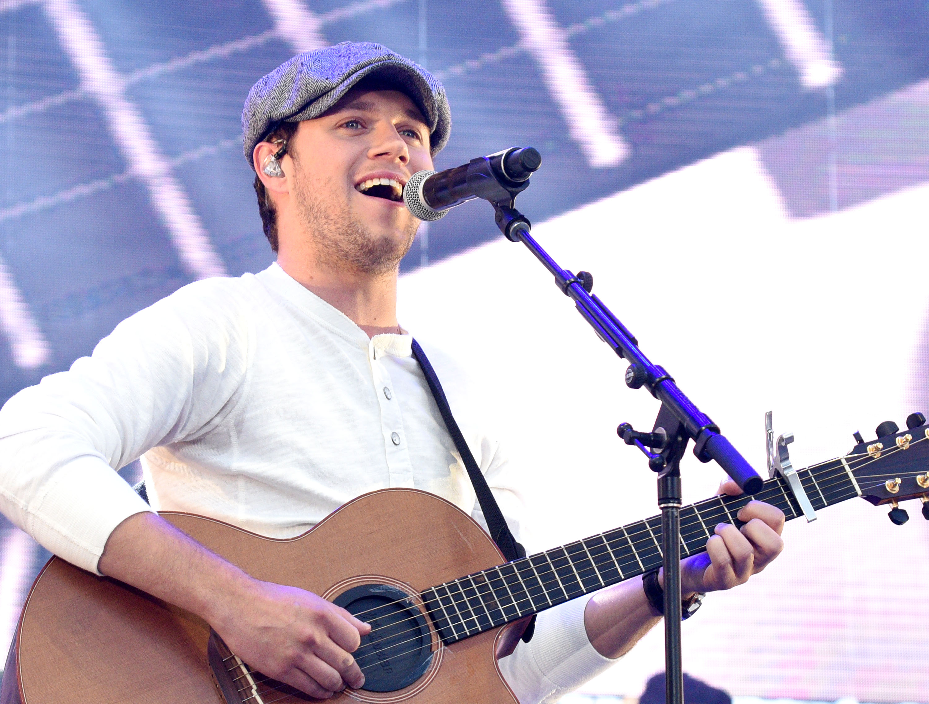 Niall Horan performs onstage during 102.7 KIIS FM's 2017 Wango Tango at StubHub Center on May 13, 2017 in Carson, California.