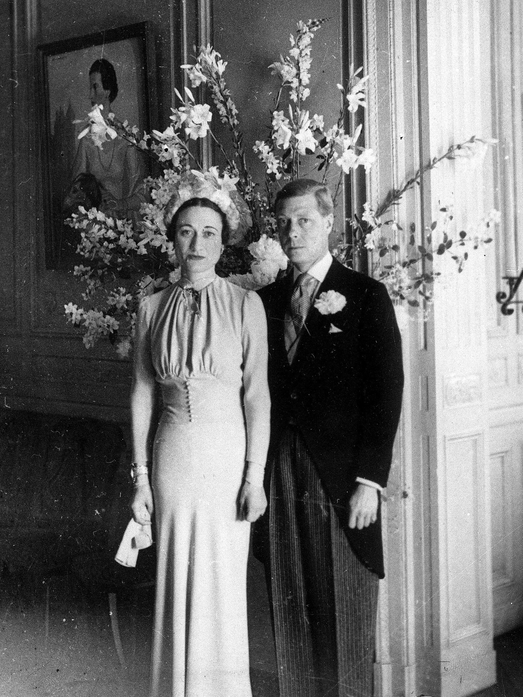 The Duke and Duchess of Windsor posing after their wedding at the Chateau de Cande near Tours, France.
