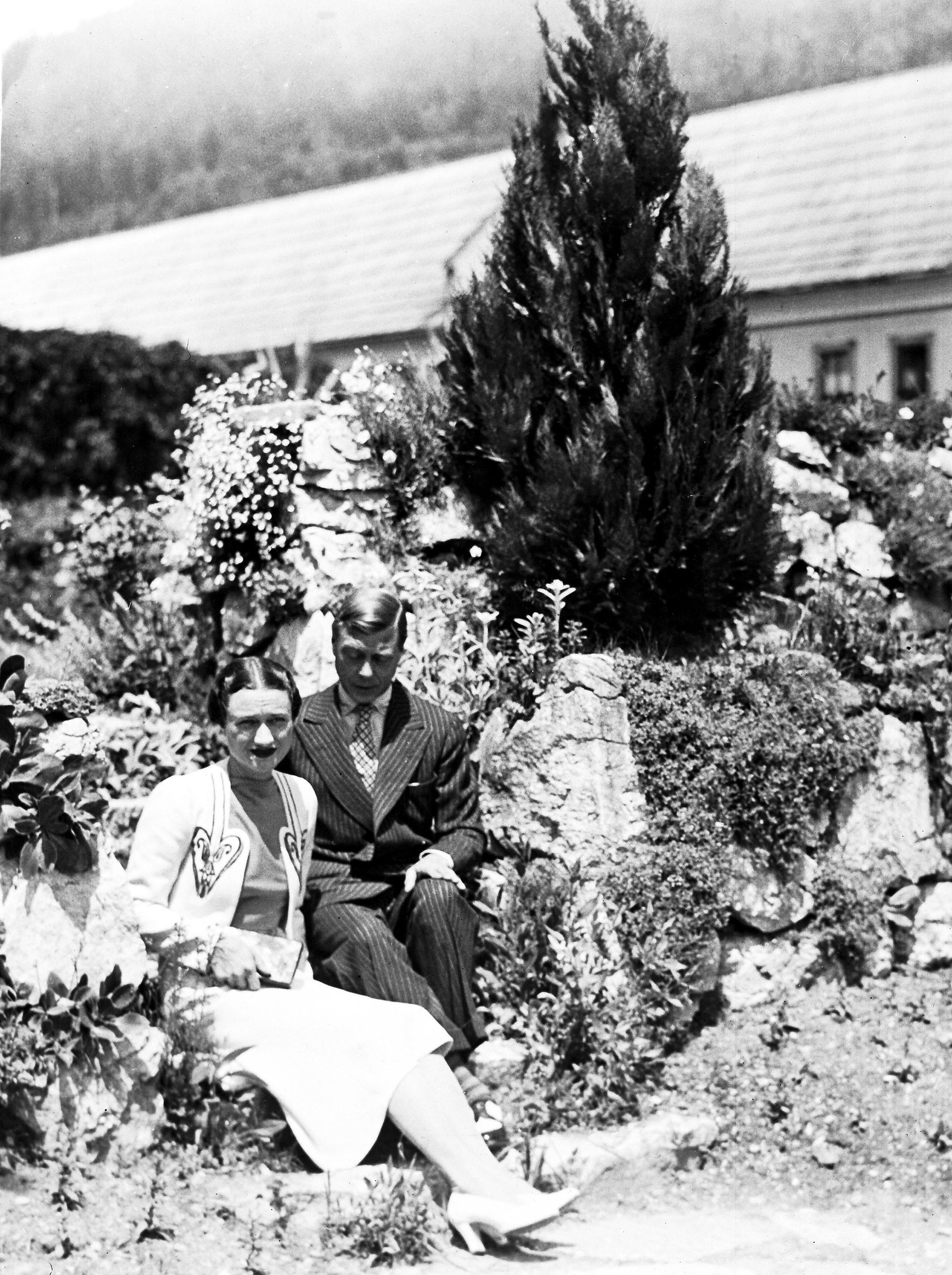 The Duke and Duchess of Windsor, on their honeymoon, in the grounds of Wasserleonburg Castle, Austria, June 9, 1937.