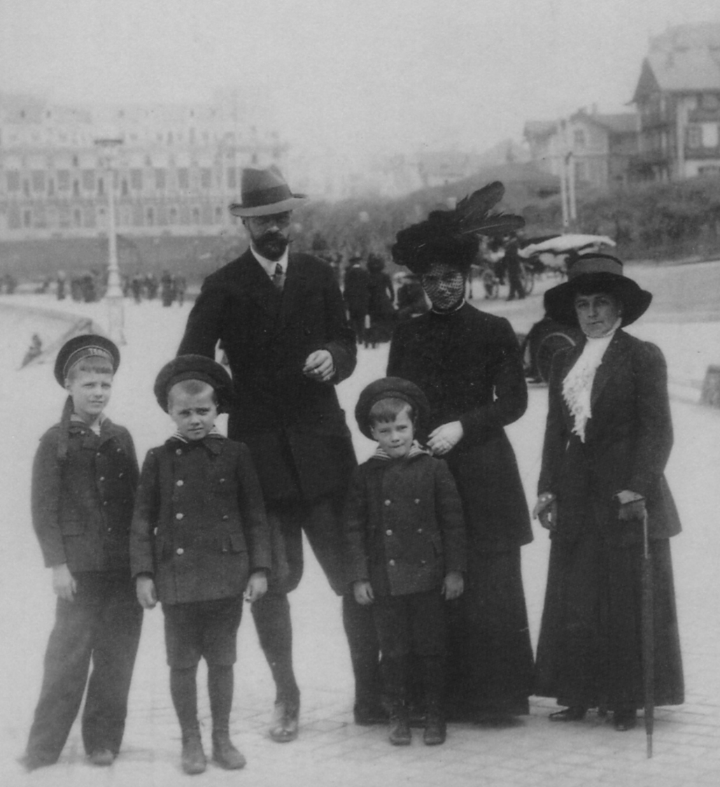 The family of Grand Duke Alexander Mikhailovich, the brother-in-law of Czar Nicolas II, stands on the beach in Biarritz