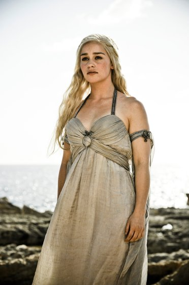 daenerys-tagaryen-emilia-clarke-costume-1