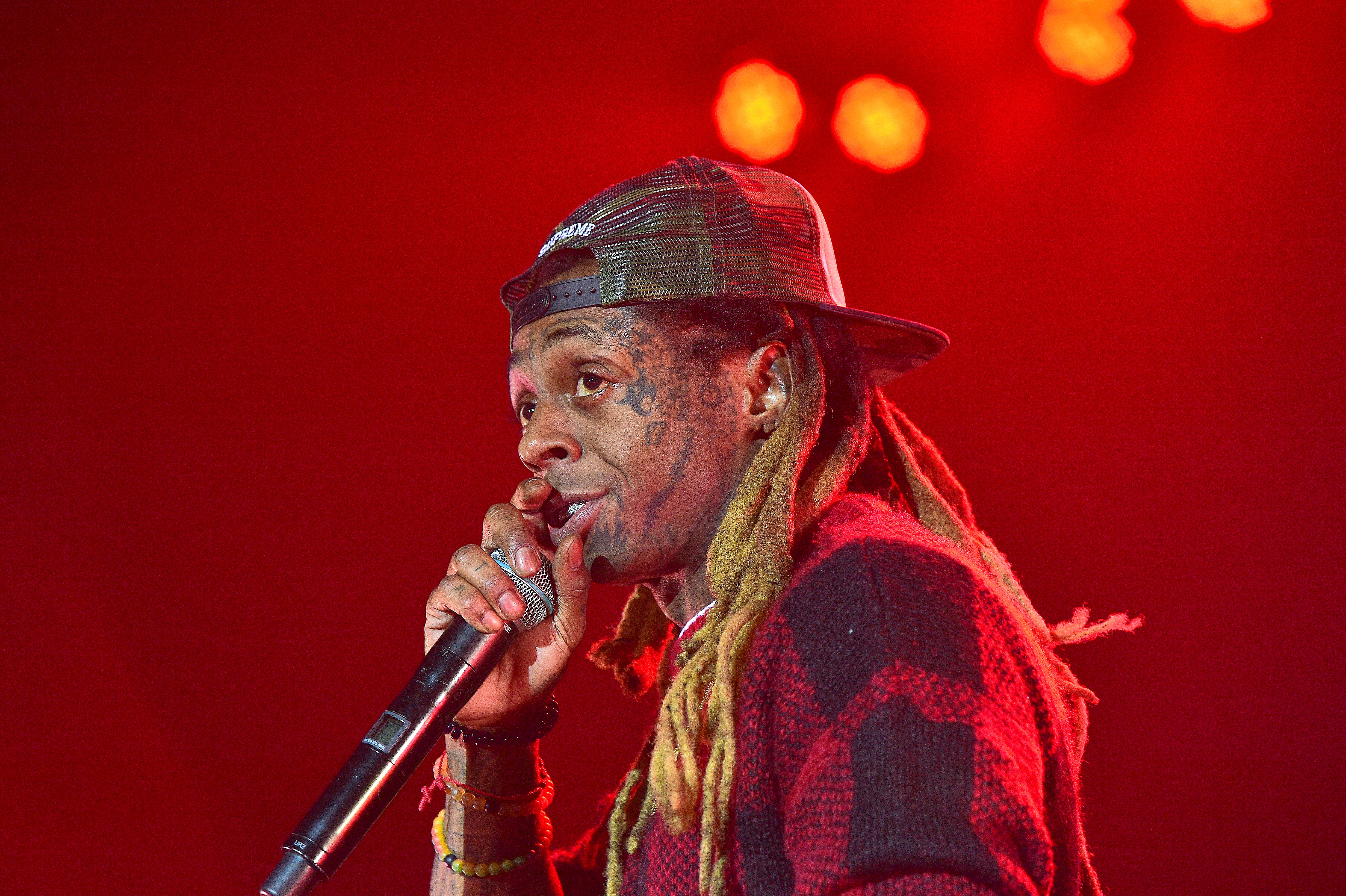 ATLANTA, GA - MAY 08:  Rapper Lil Wayne Performs in Concert During 'Kloser 2 U' Tour at Coca-Cola Roxy on May 8, 2017 in Atlanta, Georgia.  (Photo by Prince Williams/WireImage)
