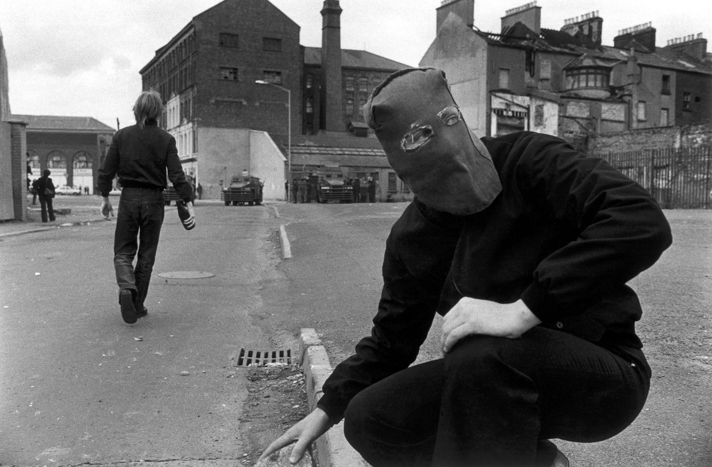 Riot, 10° birthday. Derry, Northern Ireland, 1979.