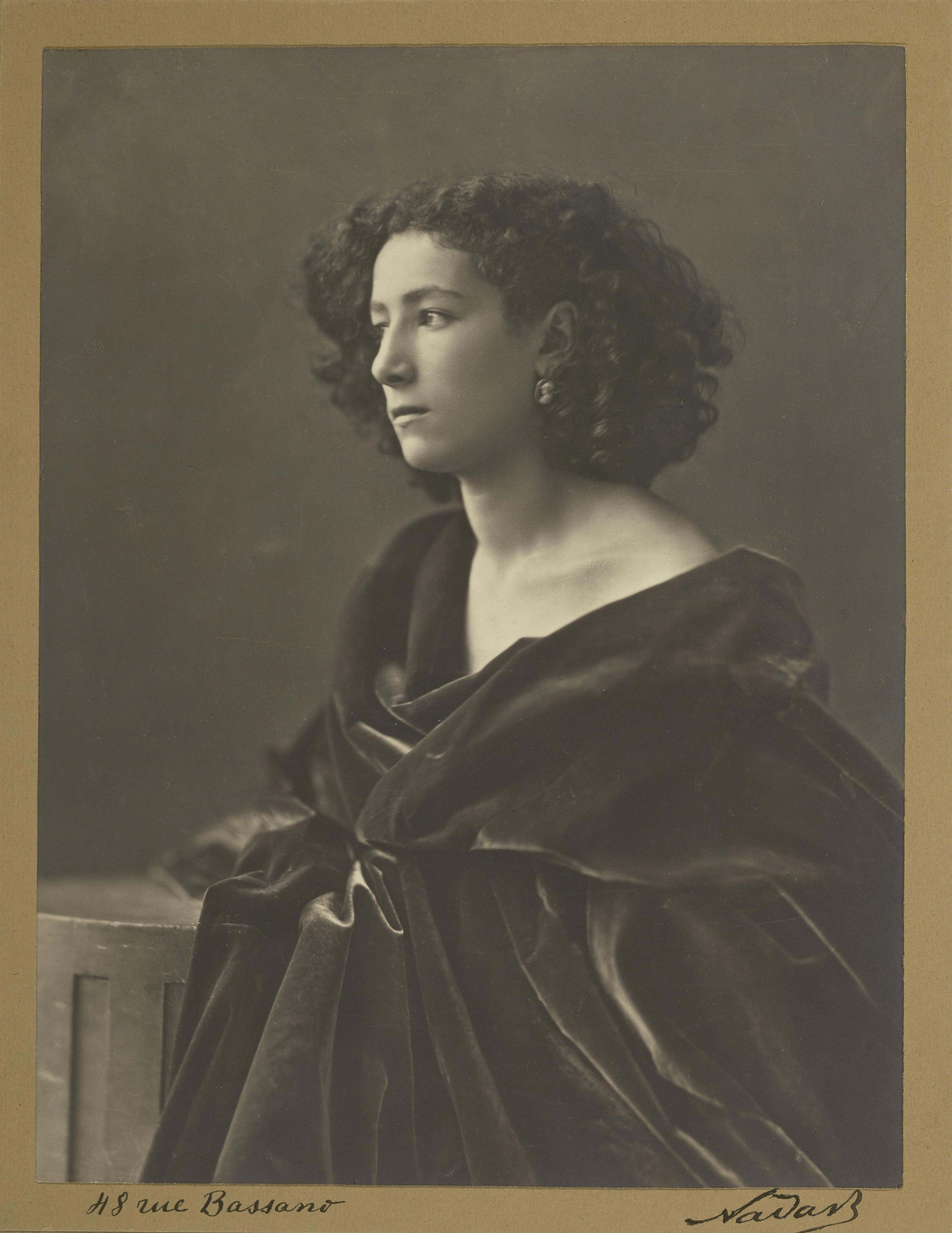 A young Sarah Bernhardt in Nadar's studio