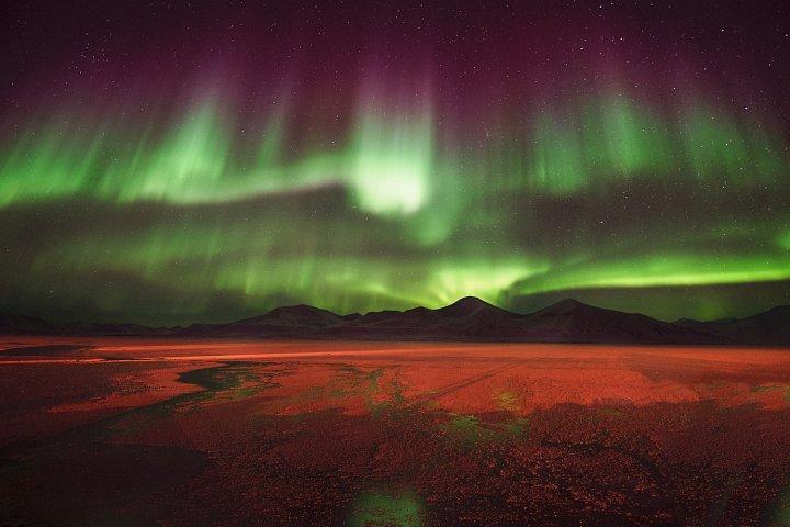 Aurora-over-Svea-Agurtxane-Concellon
