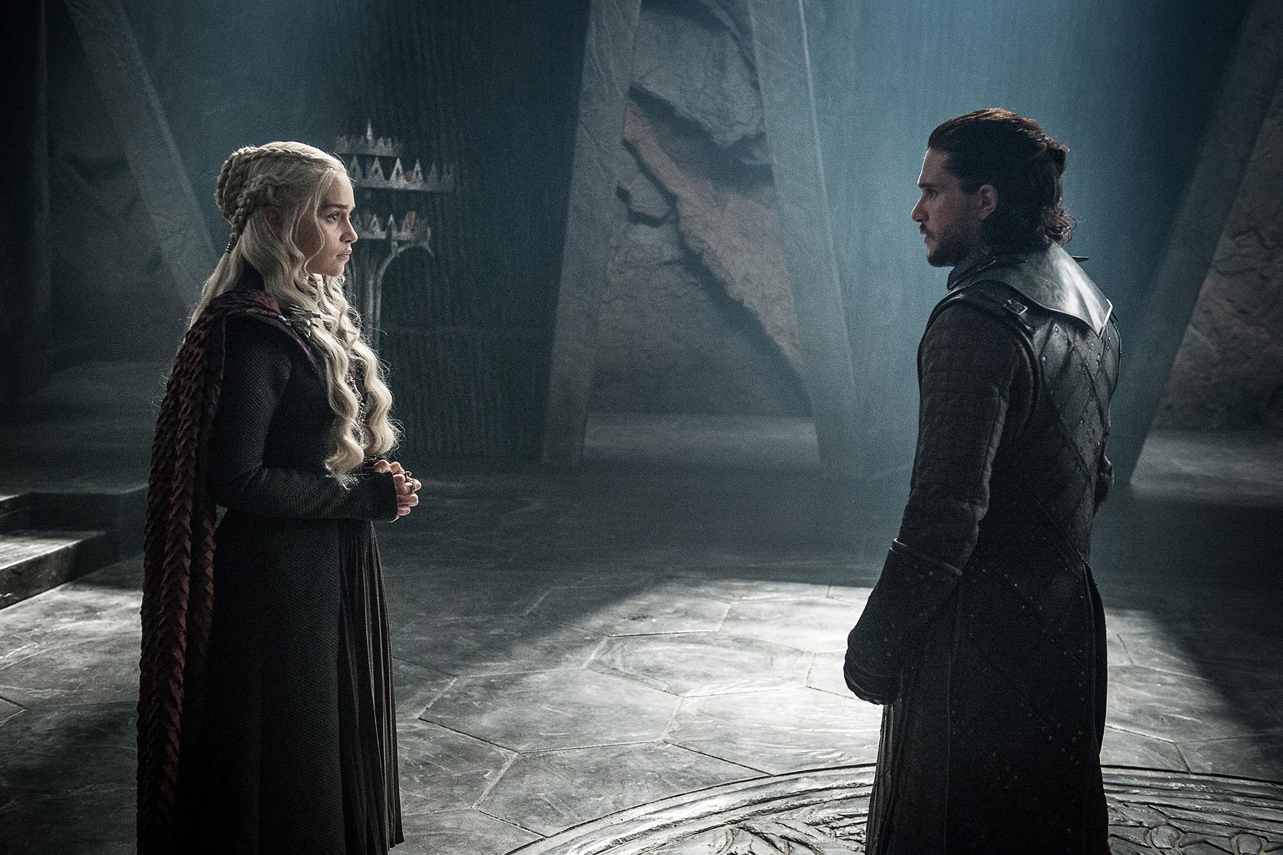 Emilia Clarke and Kit Harington in Game of Thrones