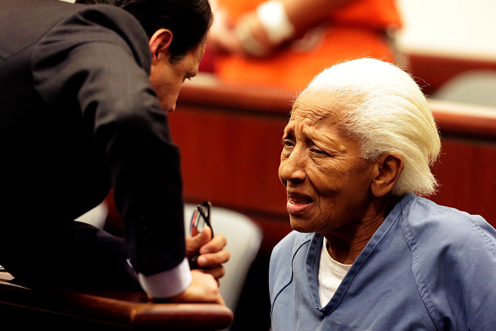 Doris Marie Payne talks her attorneys Gretchen Christina von Helms and Guadalupe Valencia at arraignment in Indio court on November, 05, 2013.