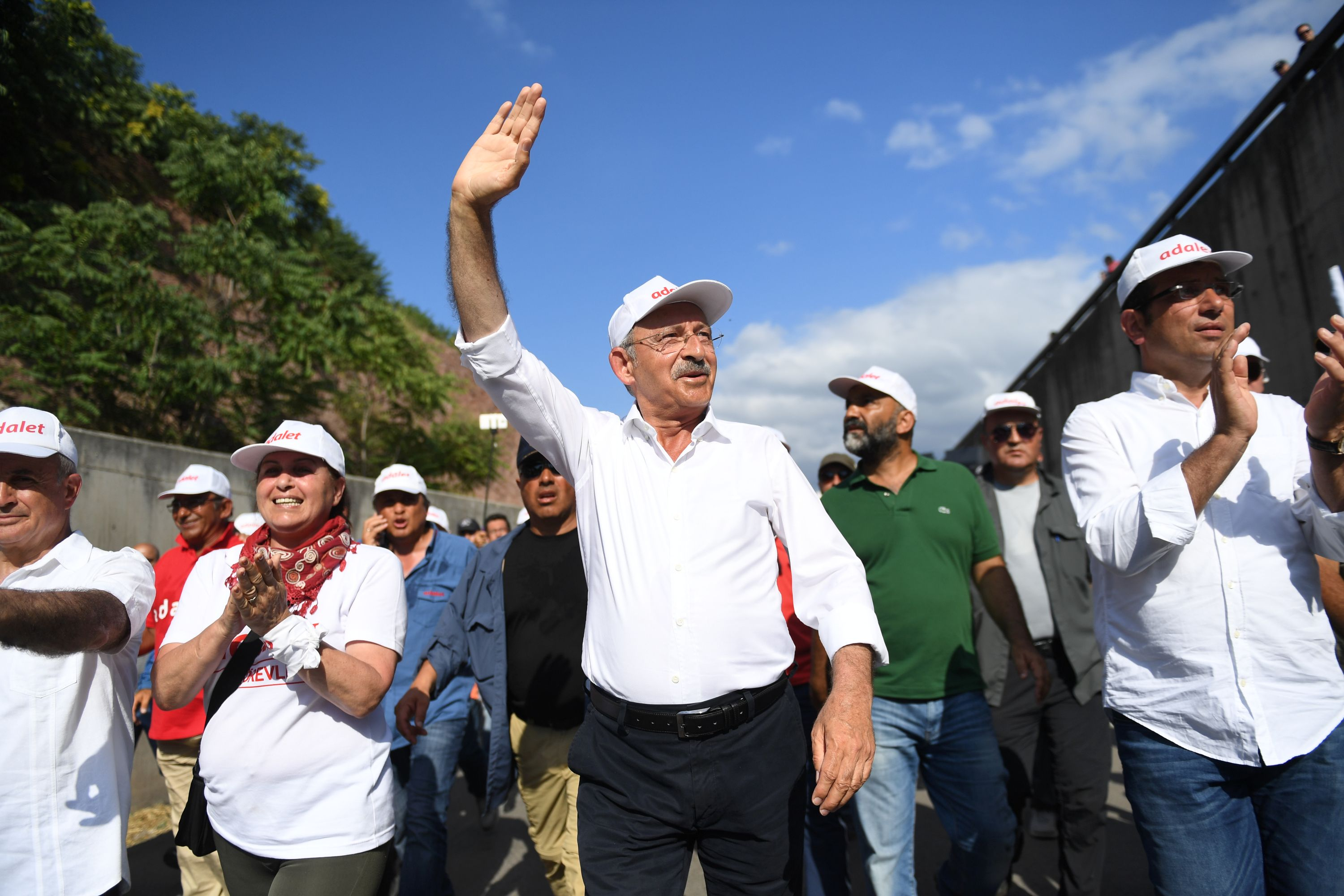 Kemal Kilicdaroglu (C), the leader of Turkey's main opposition Republican People's Party, walks with thousands of supporters on the 21st day march for justice   in Izmit, July 5, 2017