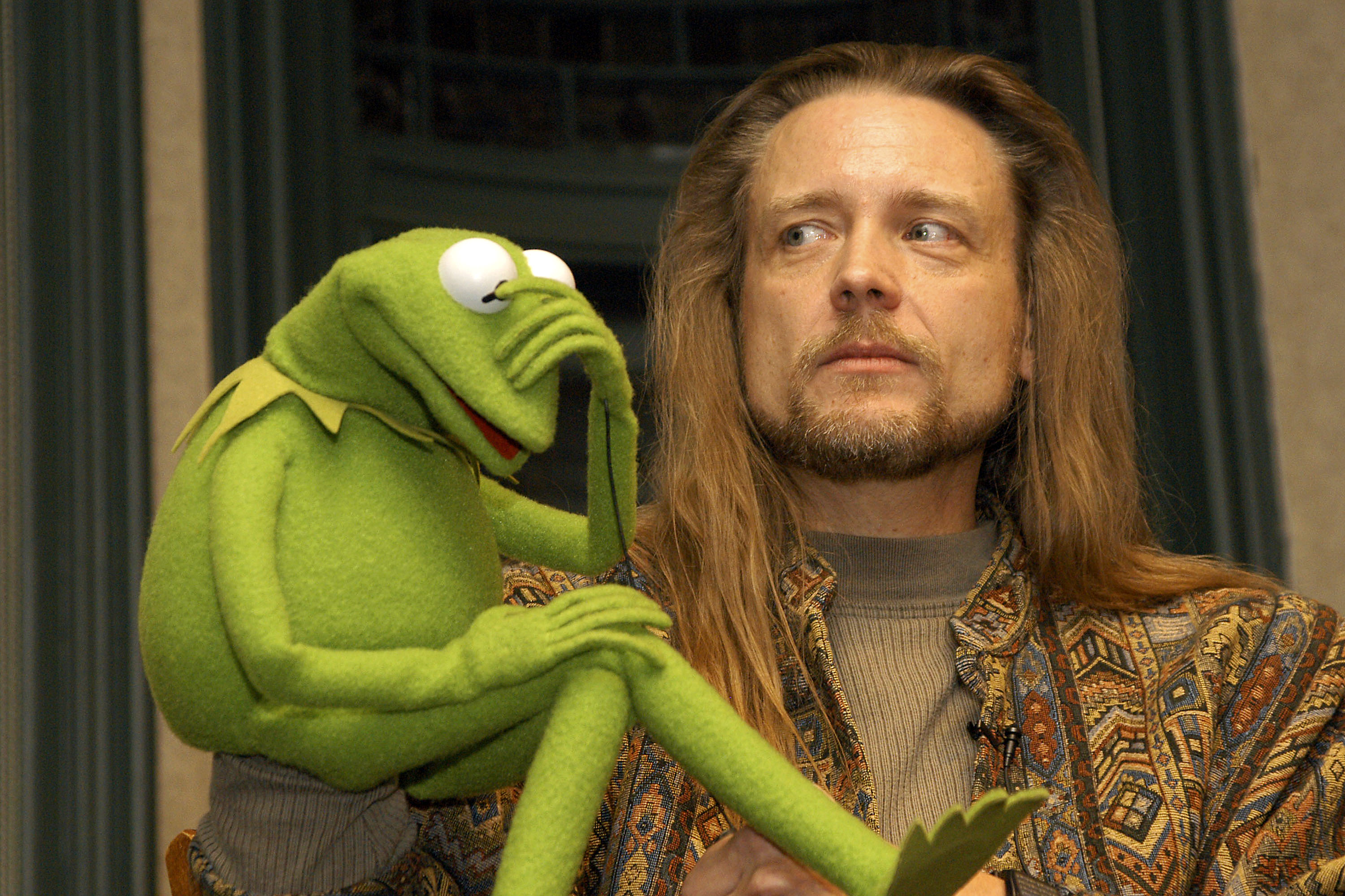 Muppet Kermit the Frog and his operator Steve Whitmire take questions from the audience November 14, 2003, at Barnes & Noble Union Square in New York City. -