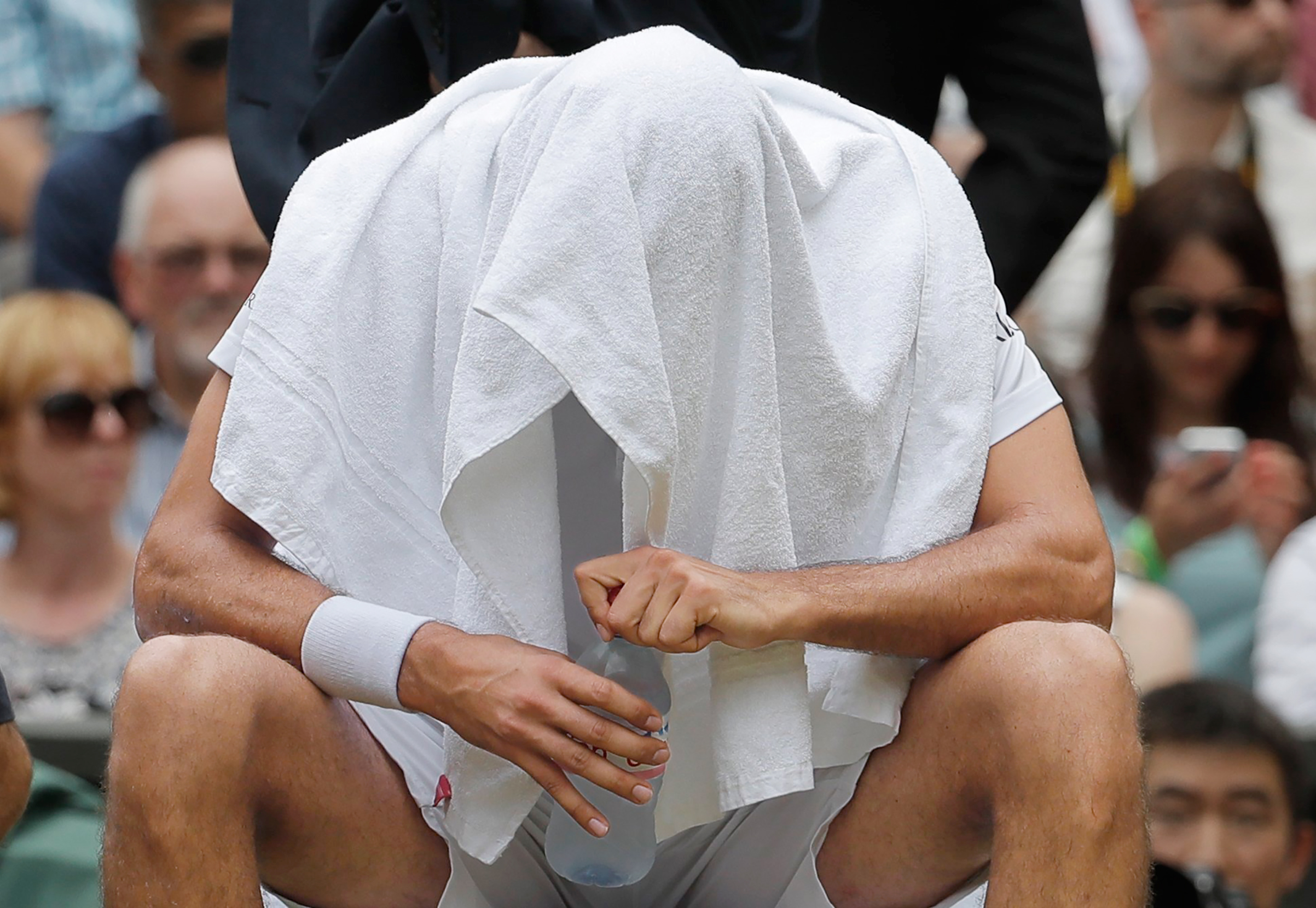 Marin Cilic broke down in tears during his loss to Roger Federer in the July 16 Wimbledon men's final